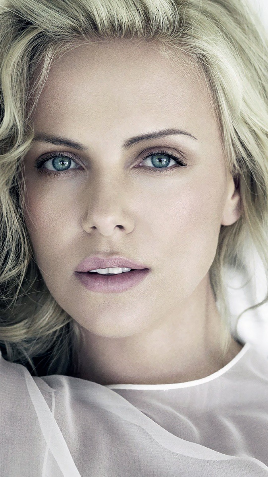 1080x1920 - Charlize Theron Wallpapers 11