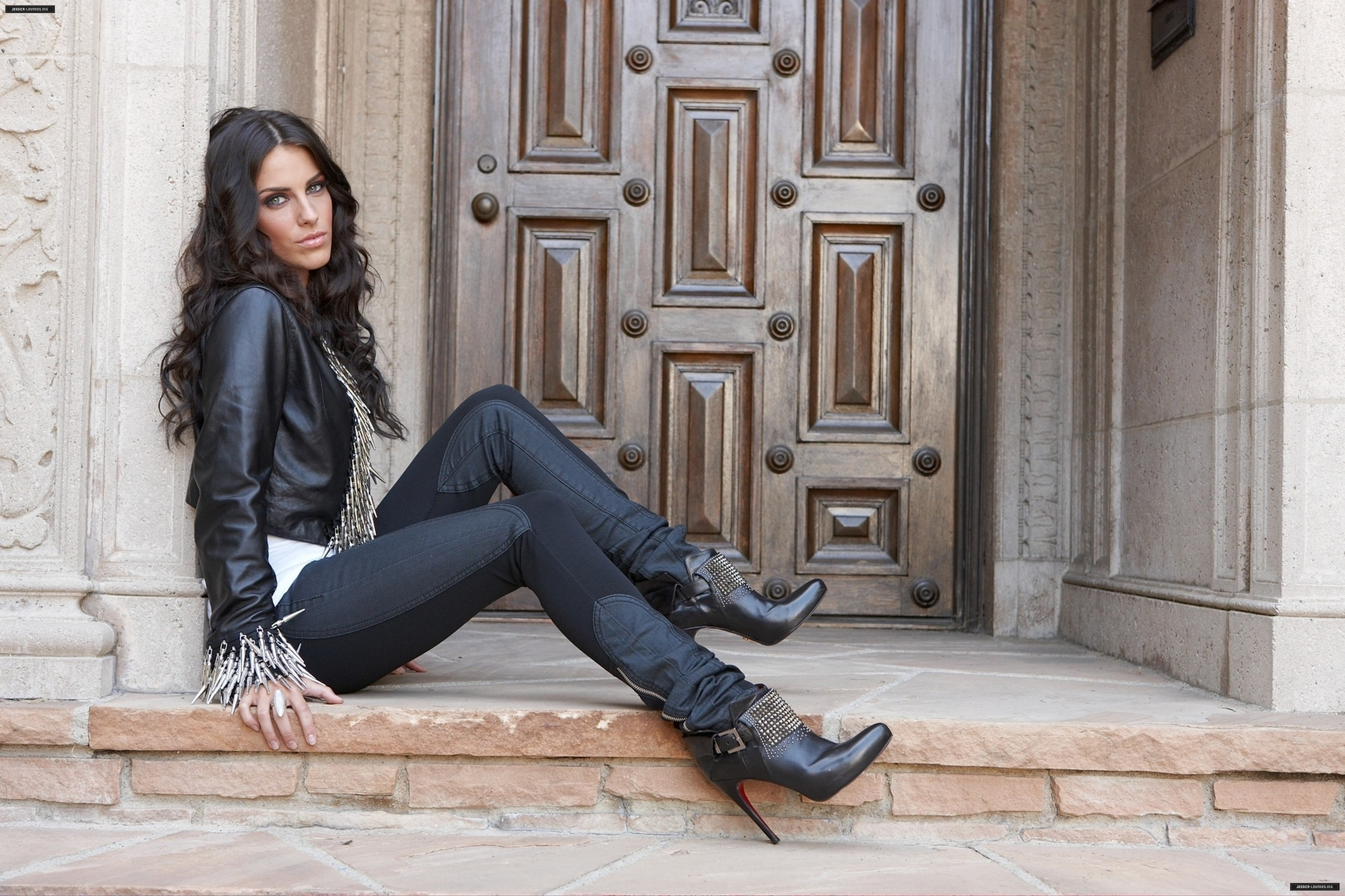 2560x1706 - Jessica Lowndes Wallpapers 23