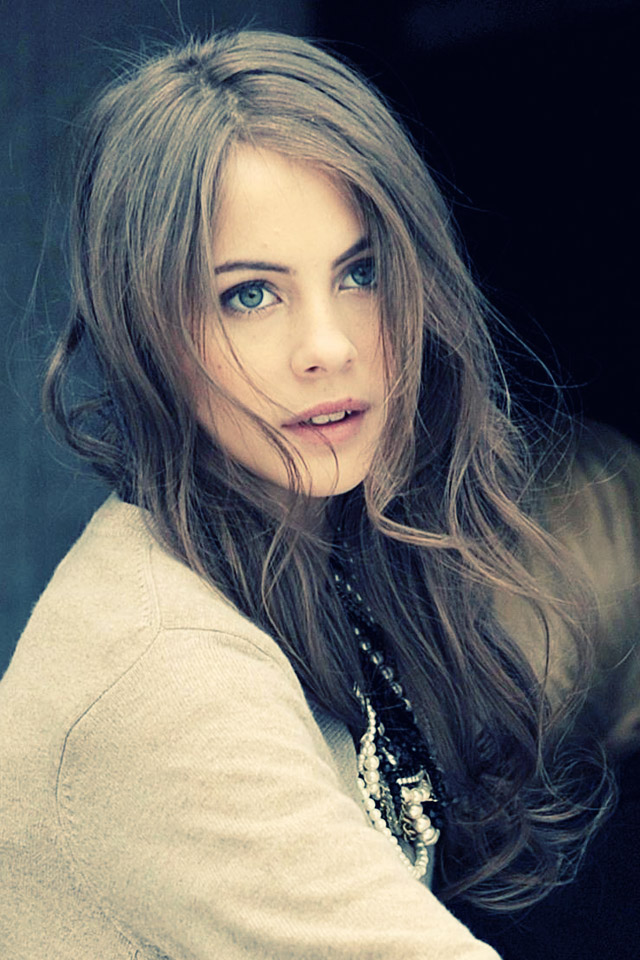 640x960 - Willa Holland Wallpapers 20
