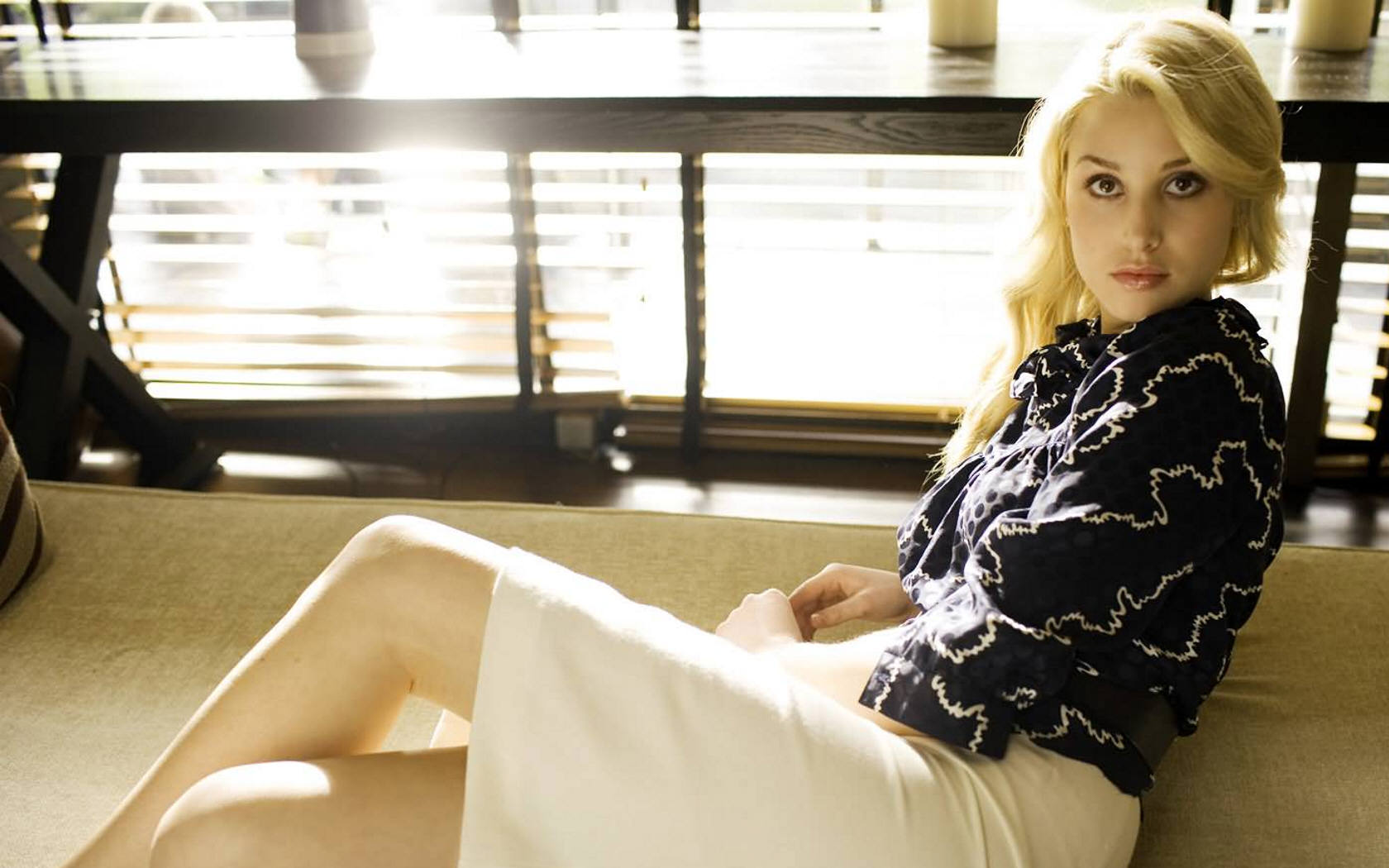 1680x1050 - Whitney Port Wallpapers 3