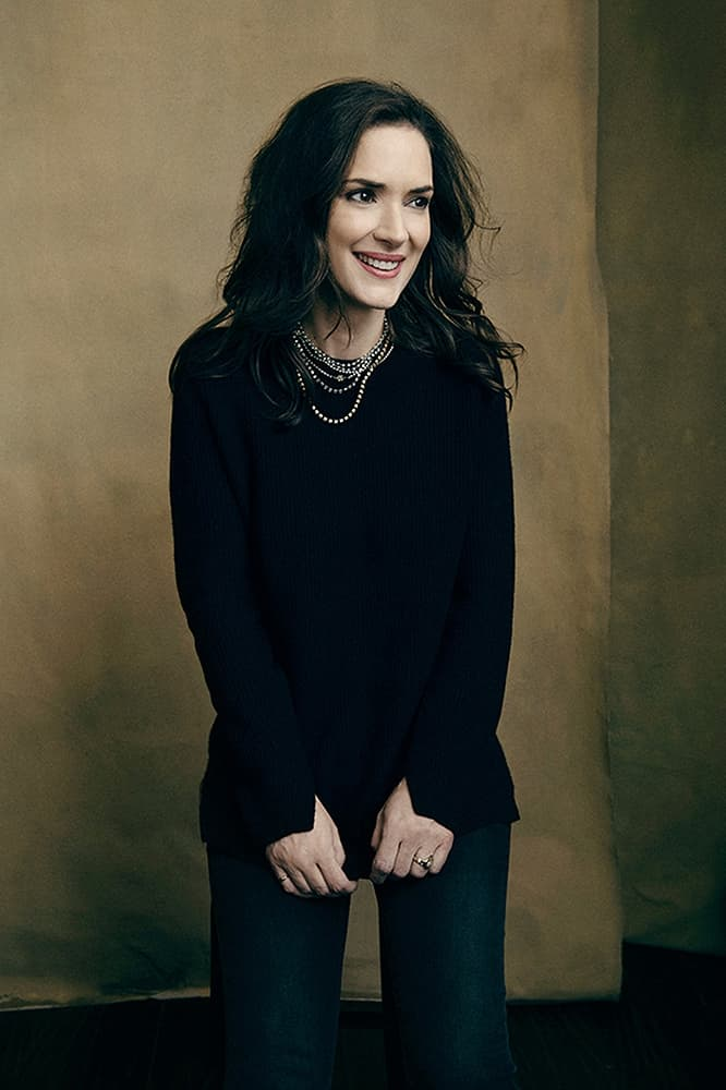 666x1000 - Winona Ryder Wallpapers 31