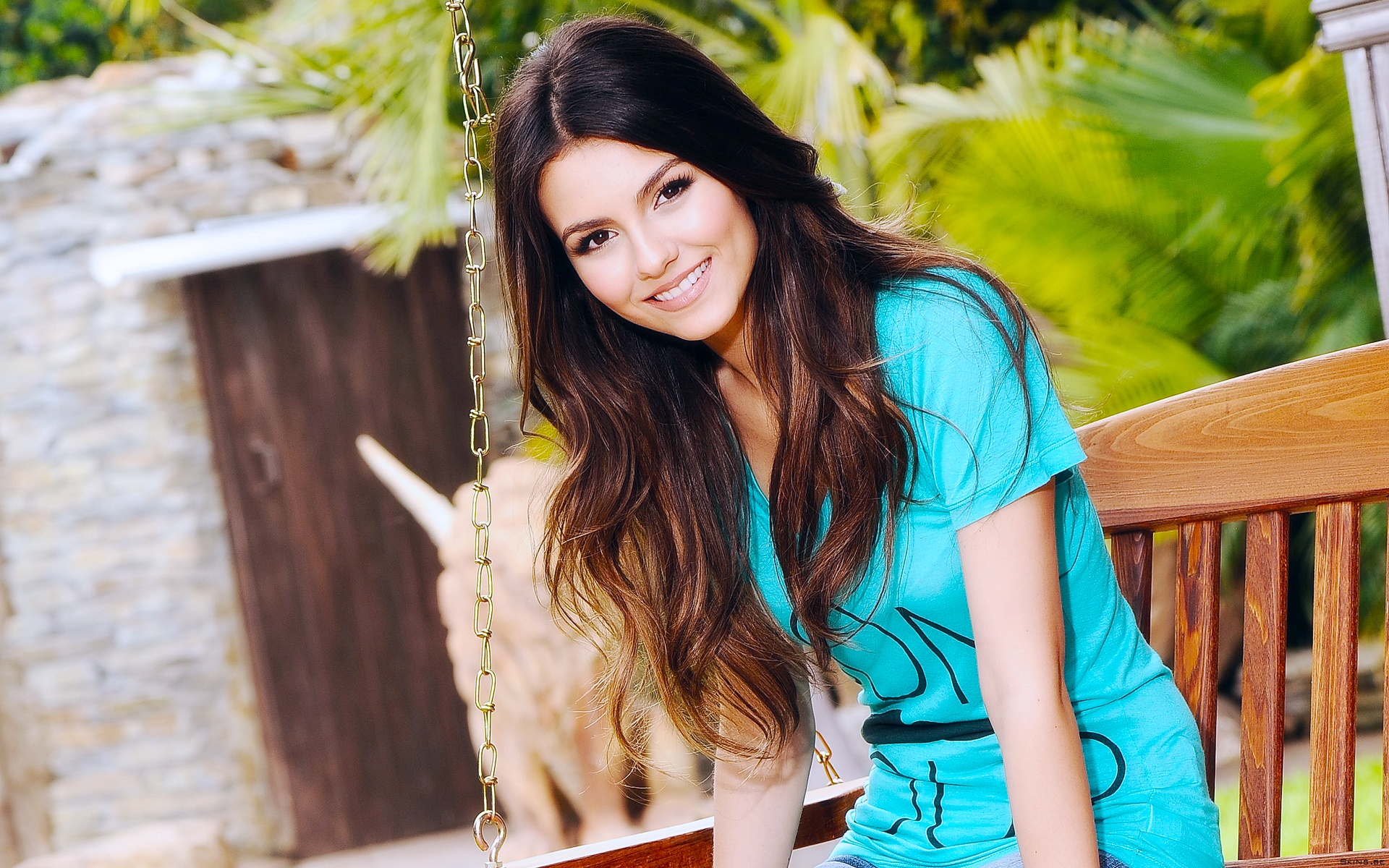 1920x1200 - Victoria Justice Wallpapers 19