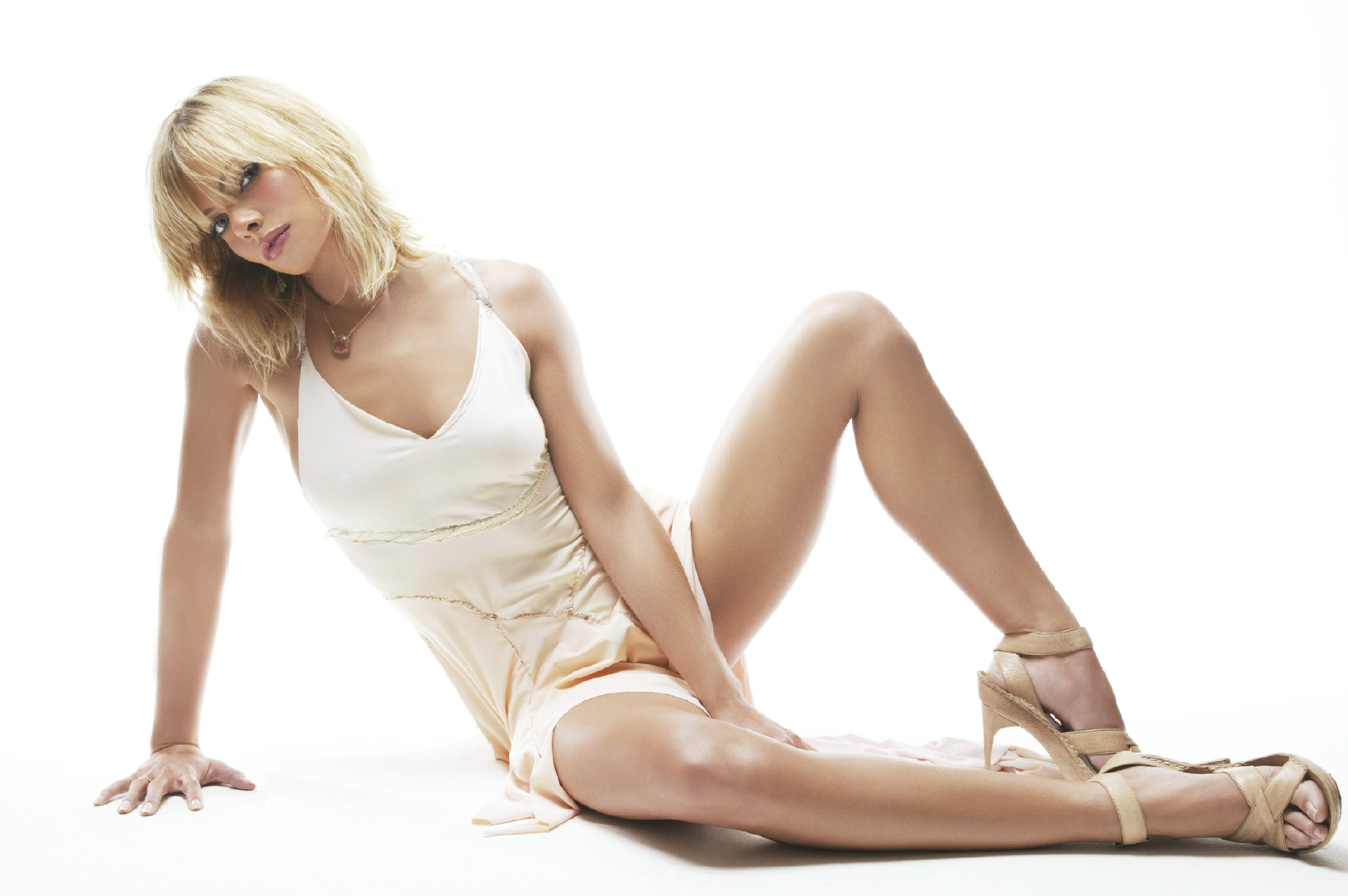 3473x2310 - Jaime Pressly Wallpapers 23