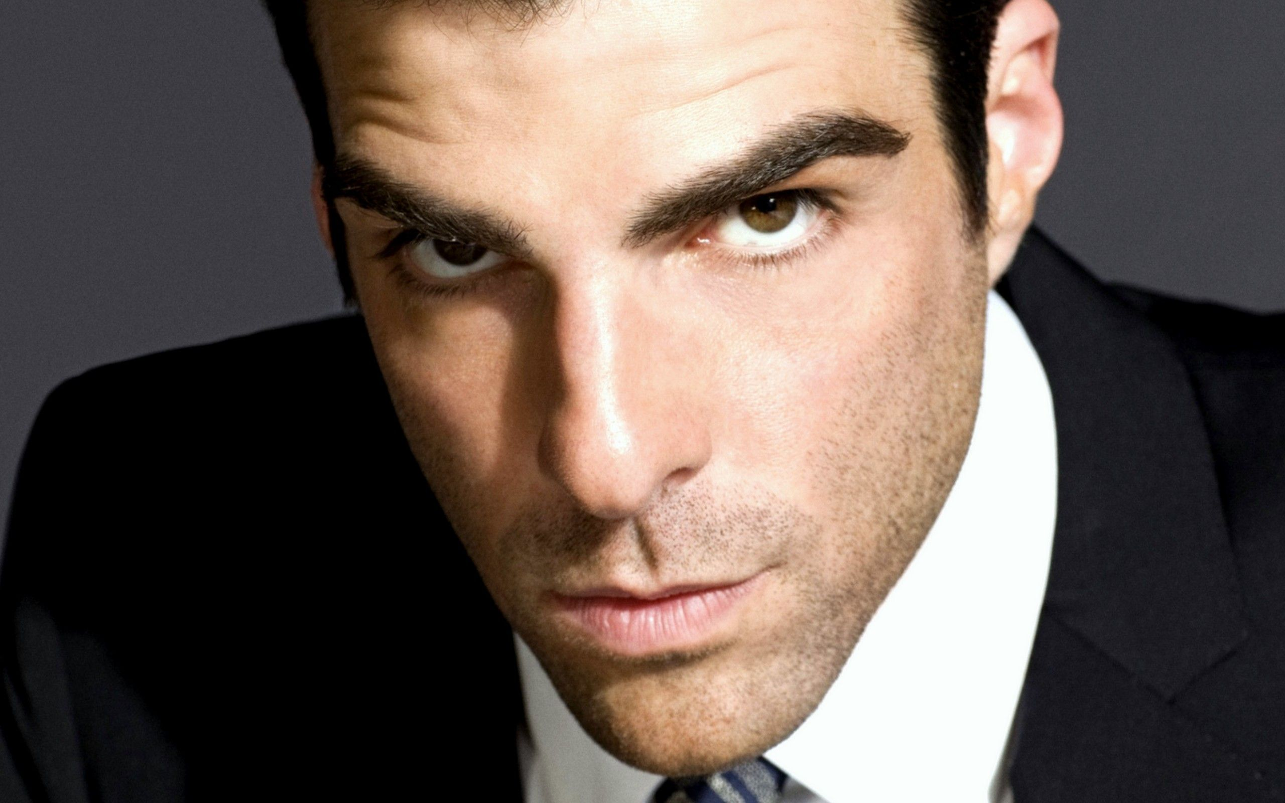 2560x1600 - Zachary Quinto Wallpapers 23