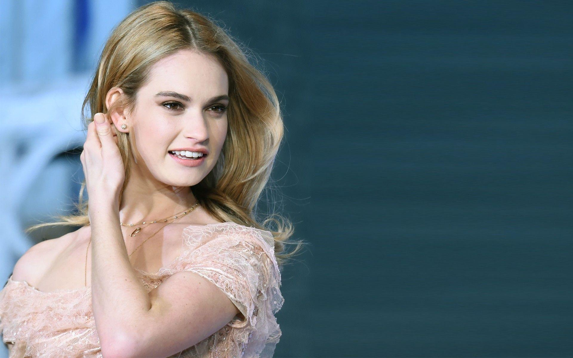 1920x1200 - Lily James Wallpapers 11
