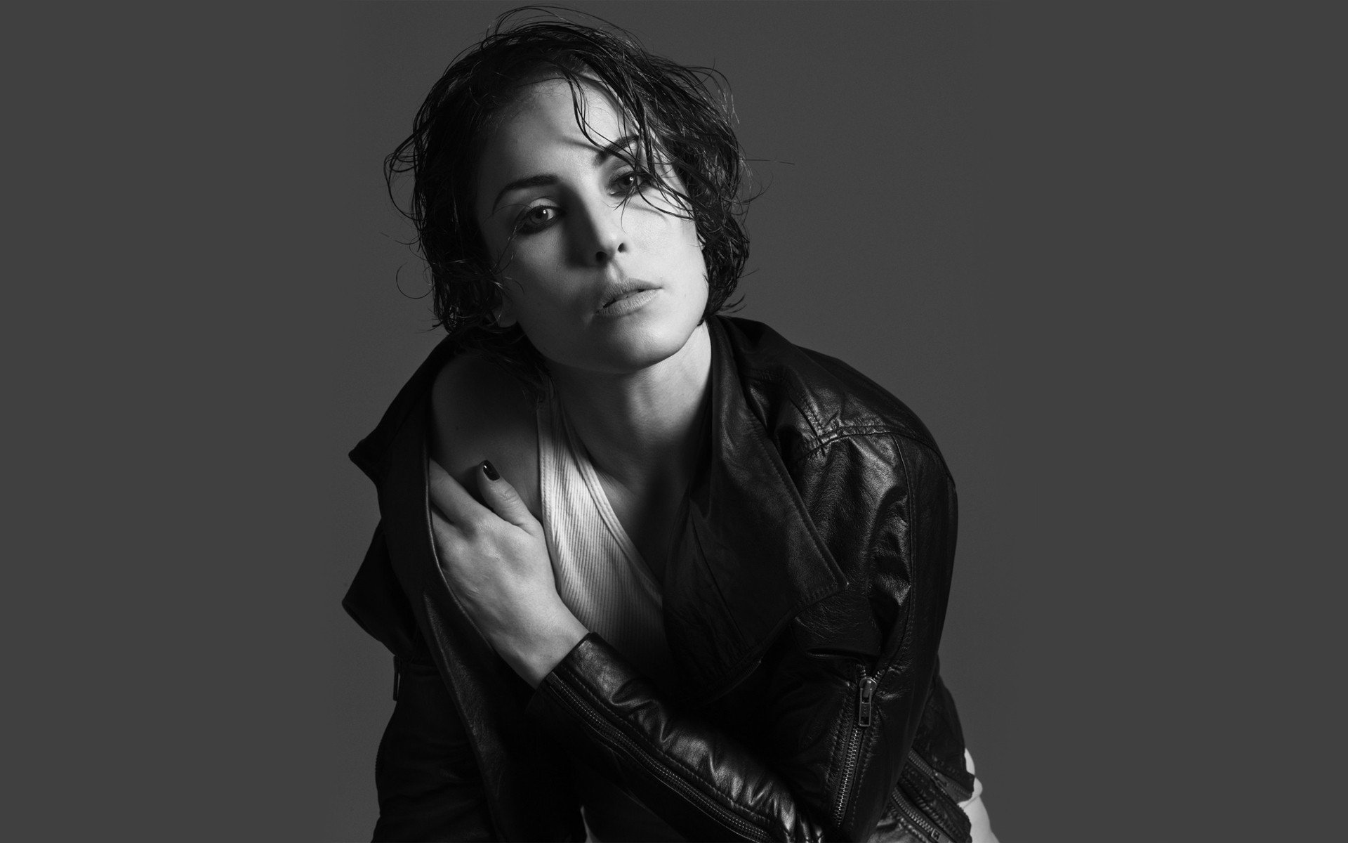 1920x1200 - Noomi Rapace Wallpapers 18