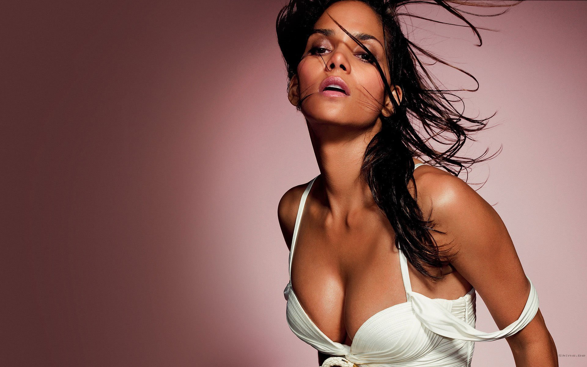 1920x1200 - Halle Berry Wallpapers 6