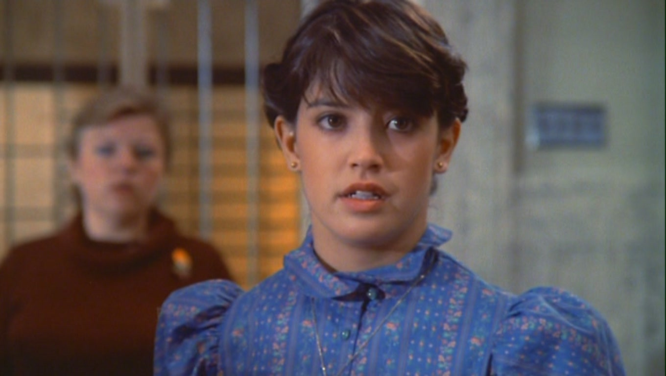 1360x768 - Phoebe Cates Wallpapers 19