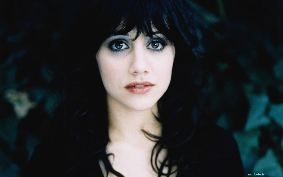 1120x700 - Brittany Murphy Wallpapers 36