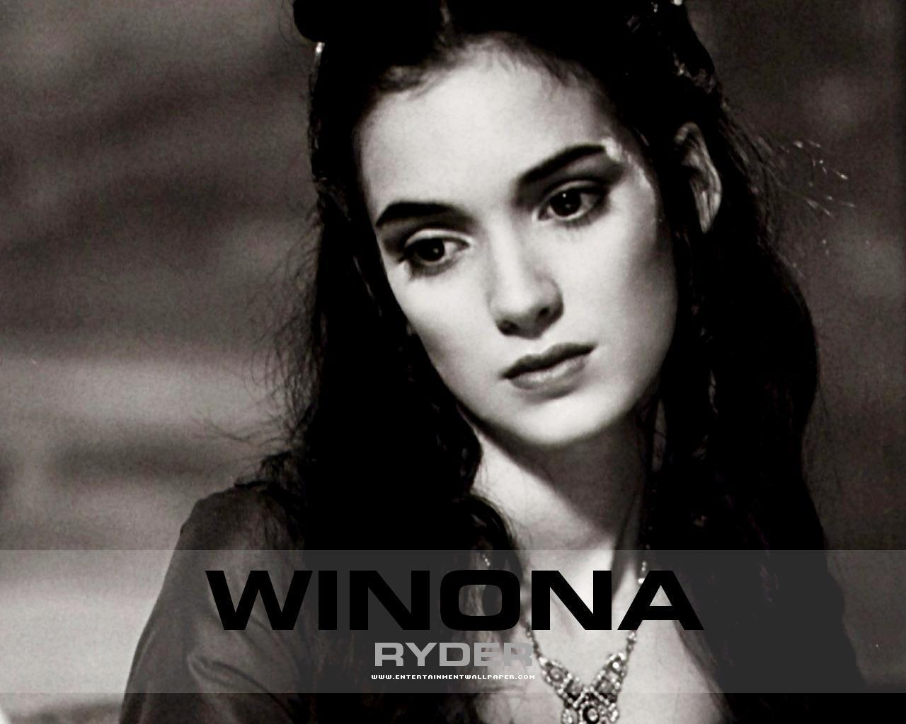 1280x1024 - Winona Ryder Wallpapers 3