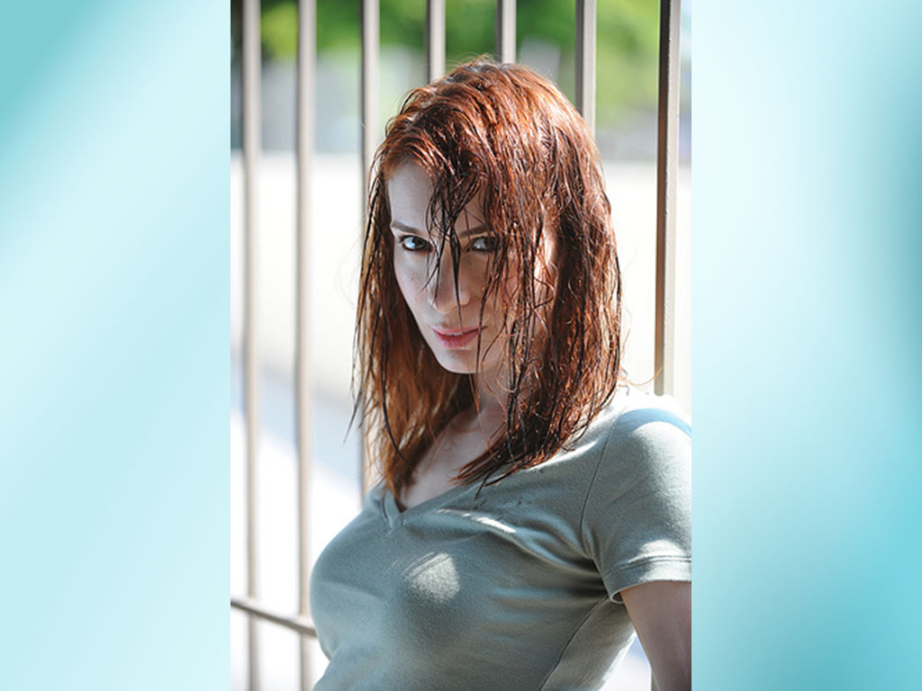1024x768 - Felicia Day Wallpapers 18