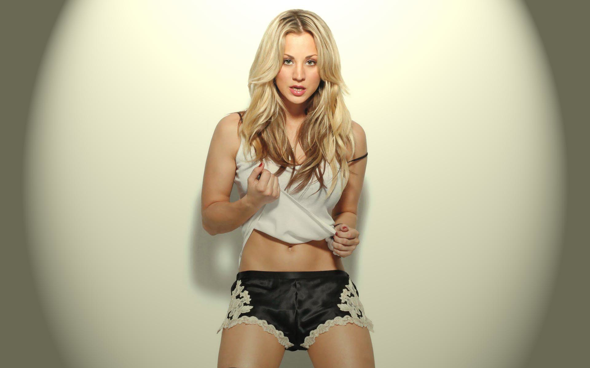 1920x1200 - Kaley Cuoco Wallpapers 29