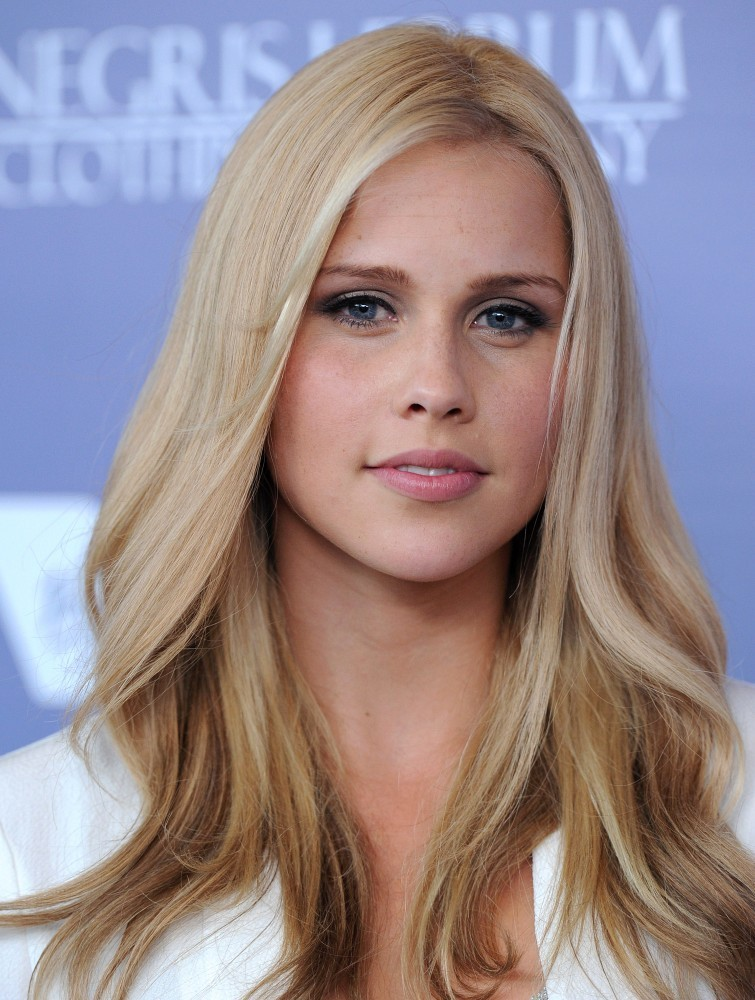 755x1000 - Claire Holt Wallpapers 12