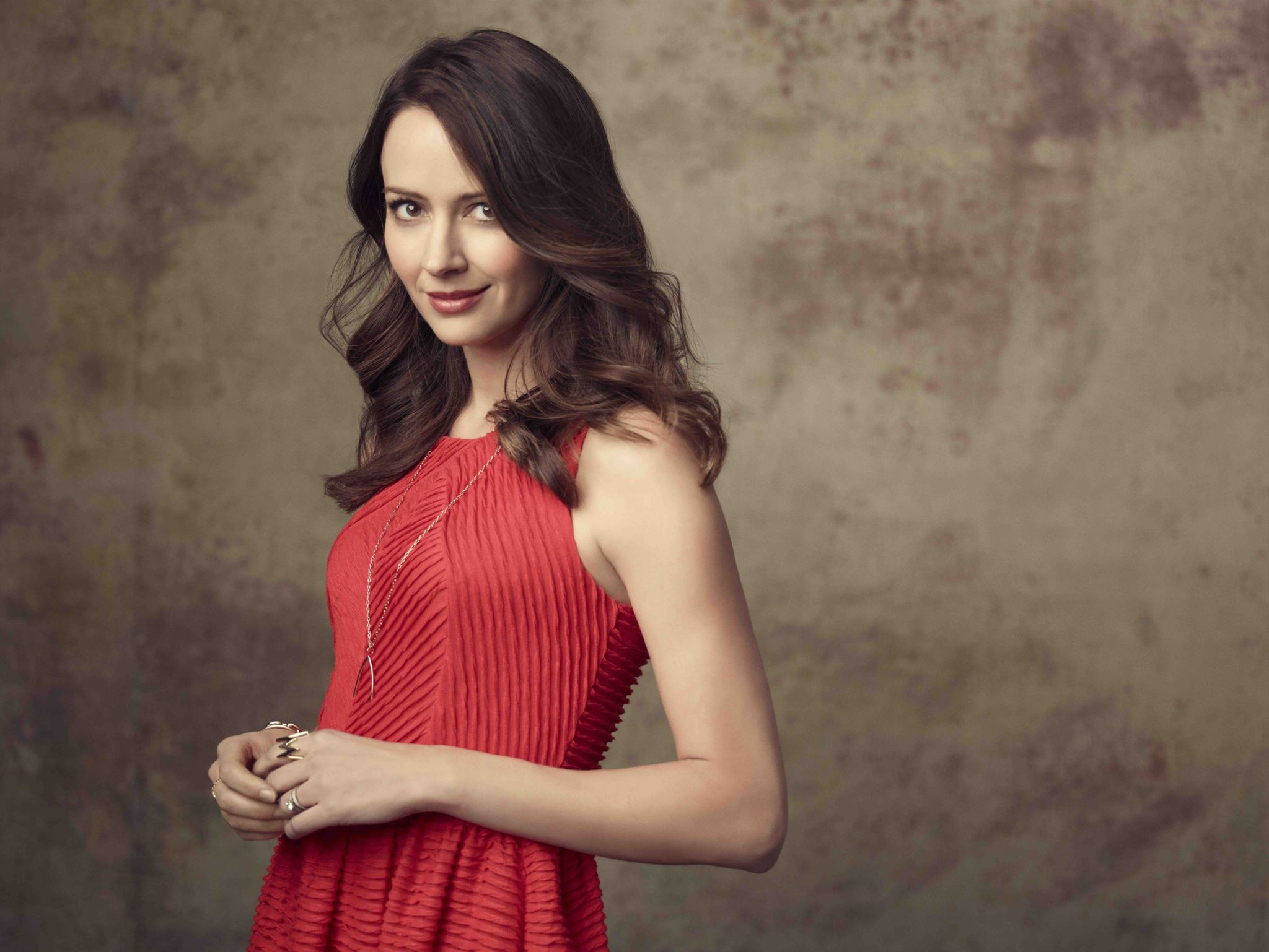 2048x1538 - Amy Acker Wallpapers 5