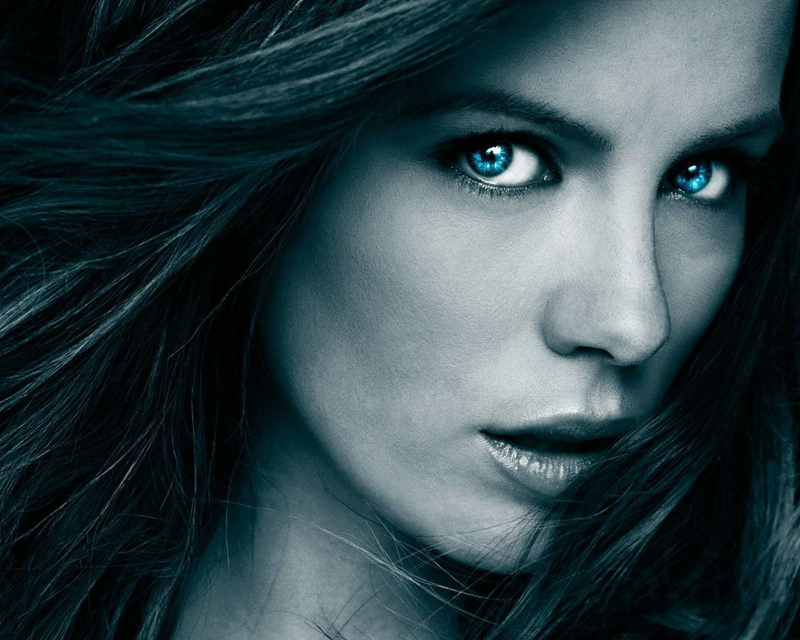 1600x1280 - Kate Beckinsale Wallpapers 11