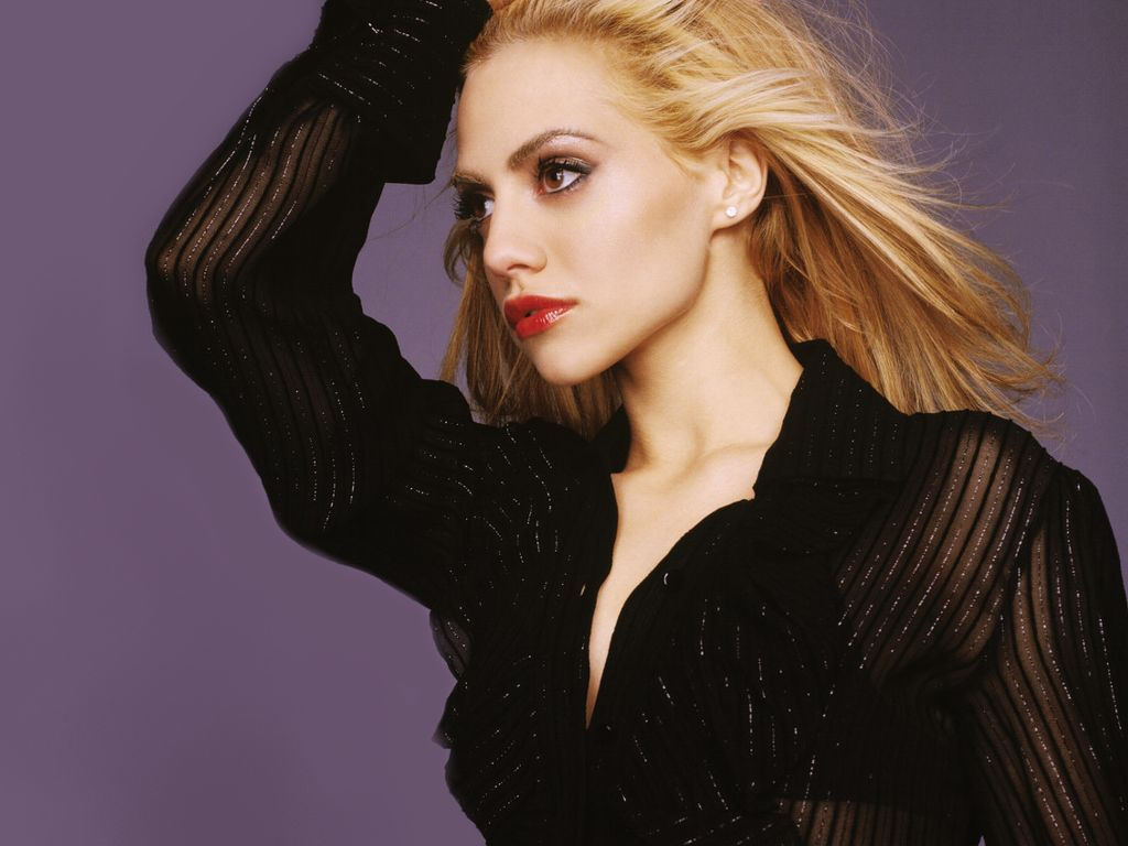 1024x768 - Brittany Murphy Wallpapers 29