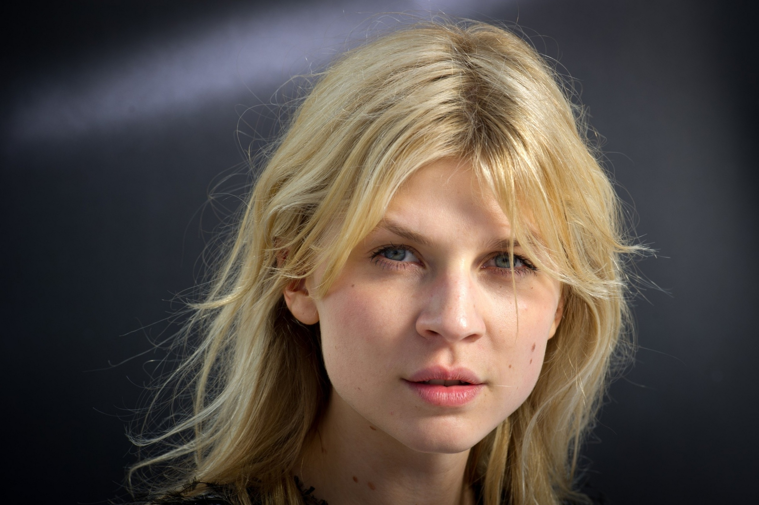2560x1704 - Clemence Poesy Wallpapers 15
