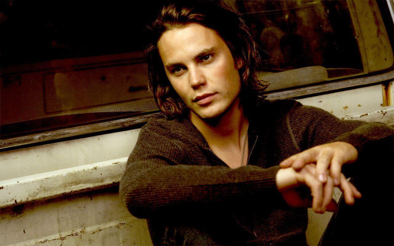 1280x800 - Taylor Kitsch Wallpapers 20