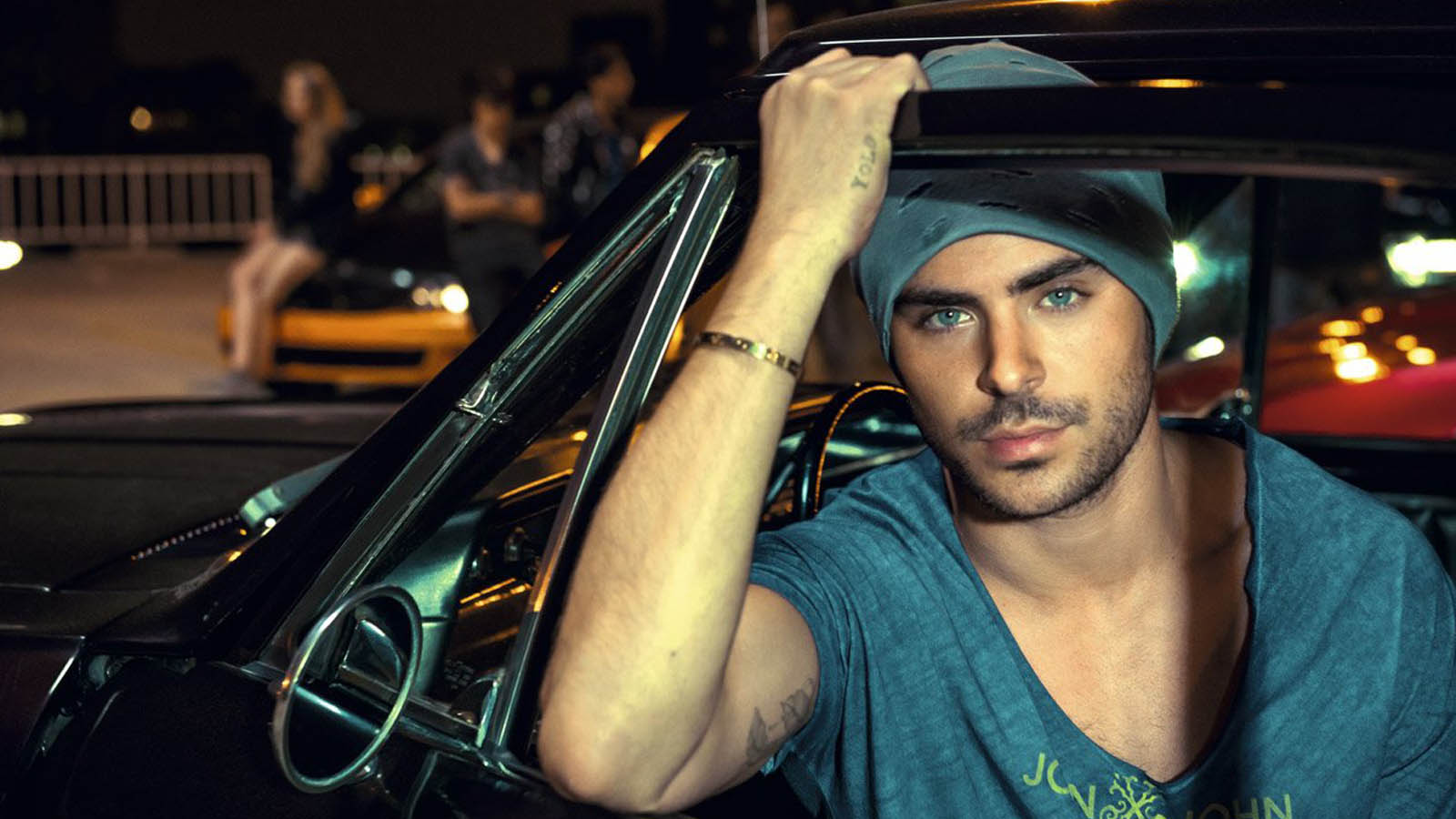 1600x900 - Zac Efron Wallpapers 17
