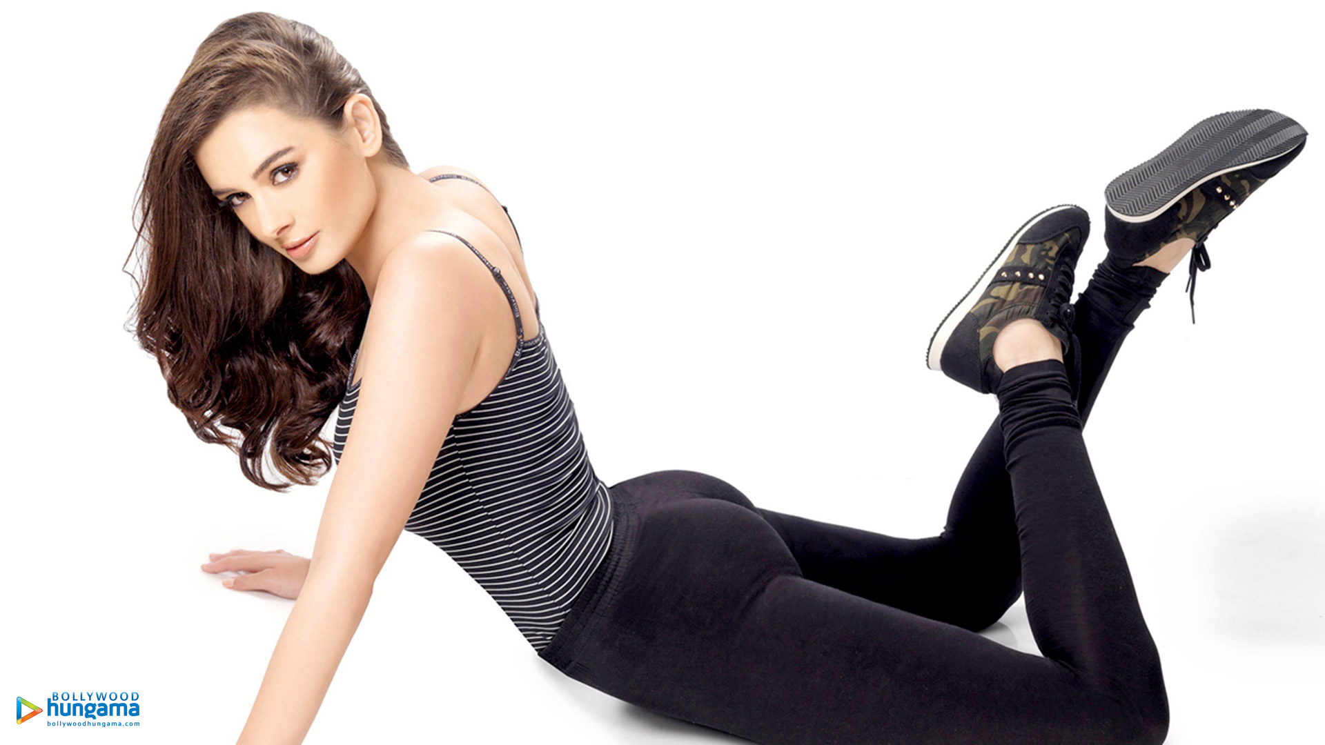 1920x1080 - Evelyn Sharma Wallpapers 23