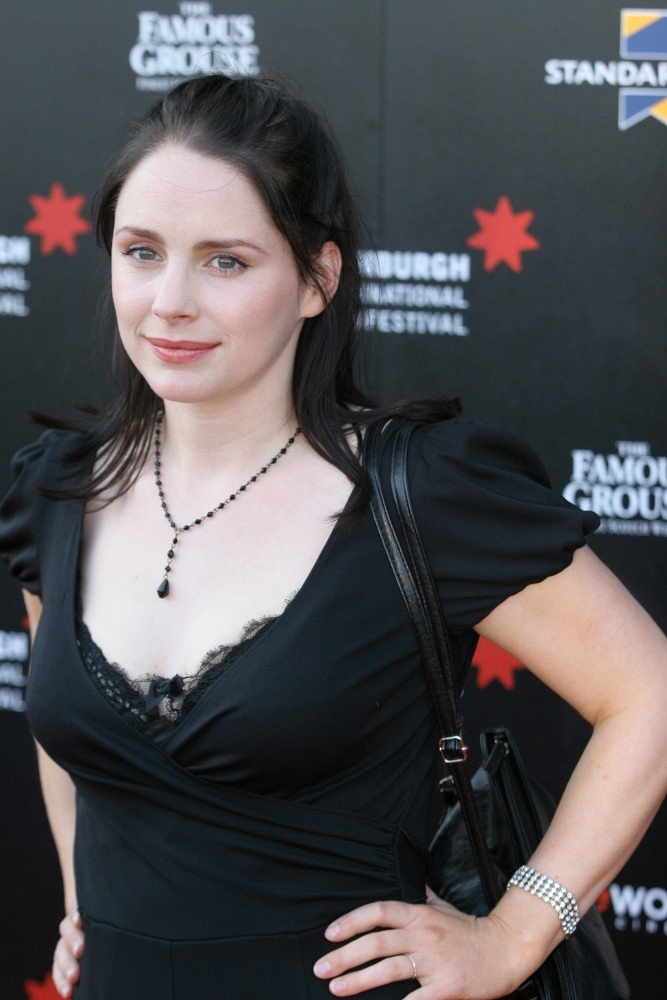 667x1000 - Laura Fraser Wallpapers 7