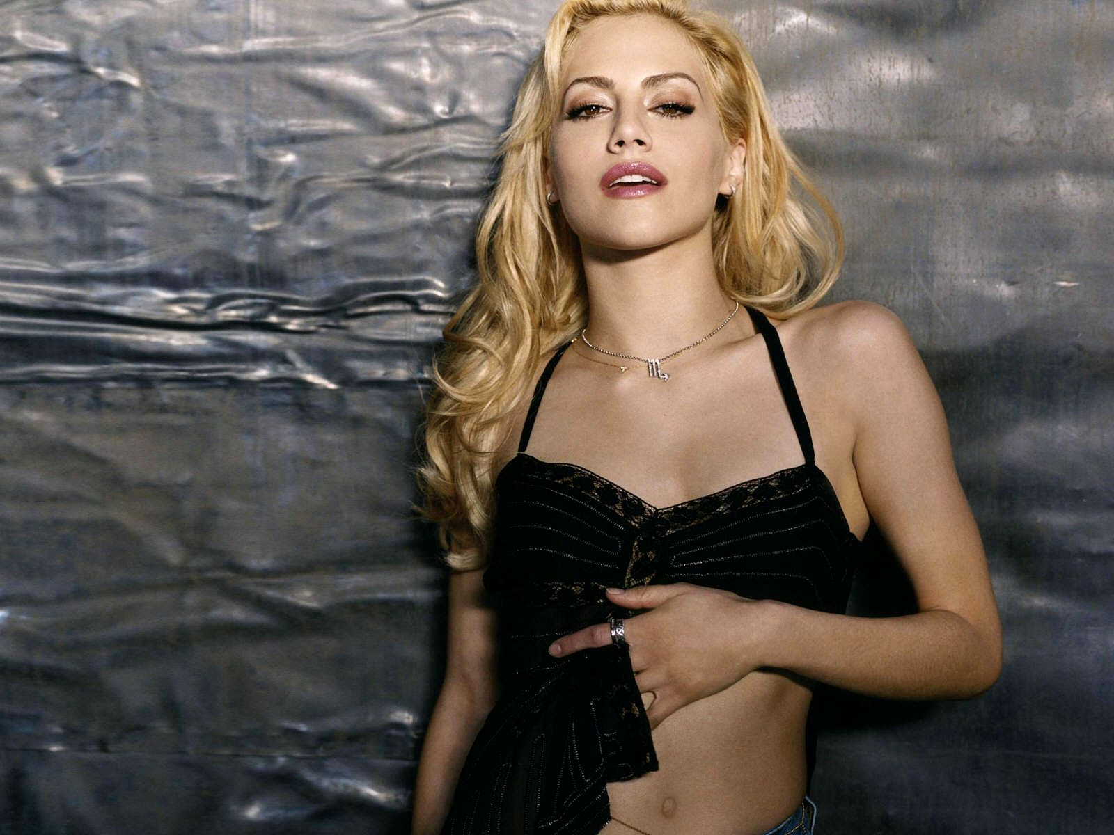 1600x1200 - Brittany Murphy Wallpapers 16