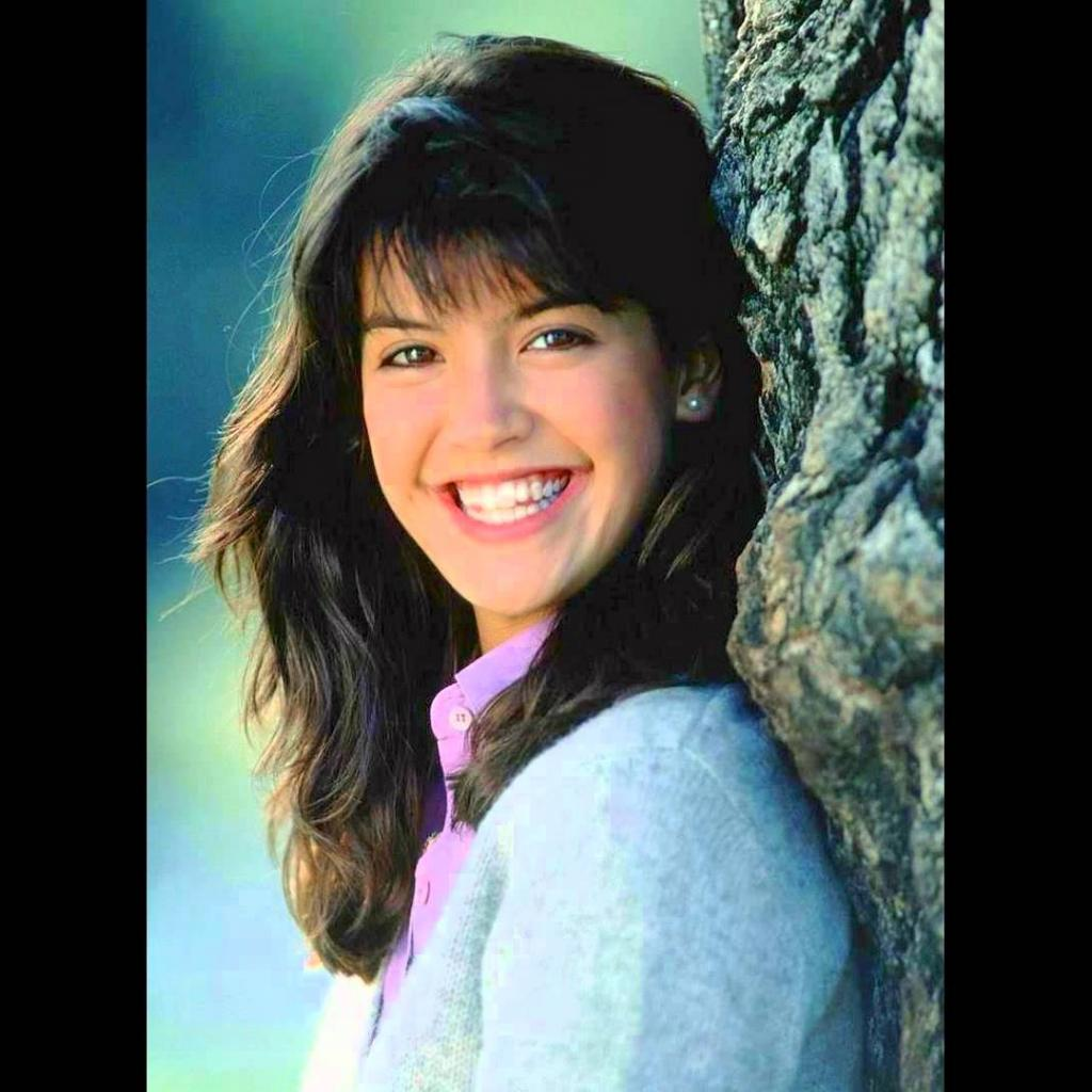 1024x1024 - Phoebe Cates Wallpapers 28