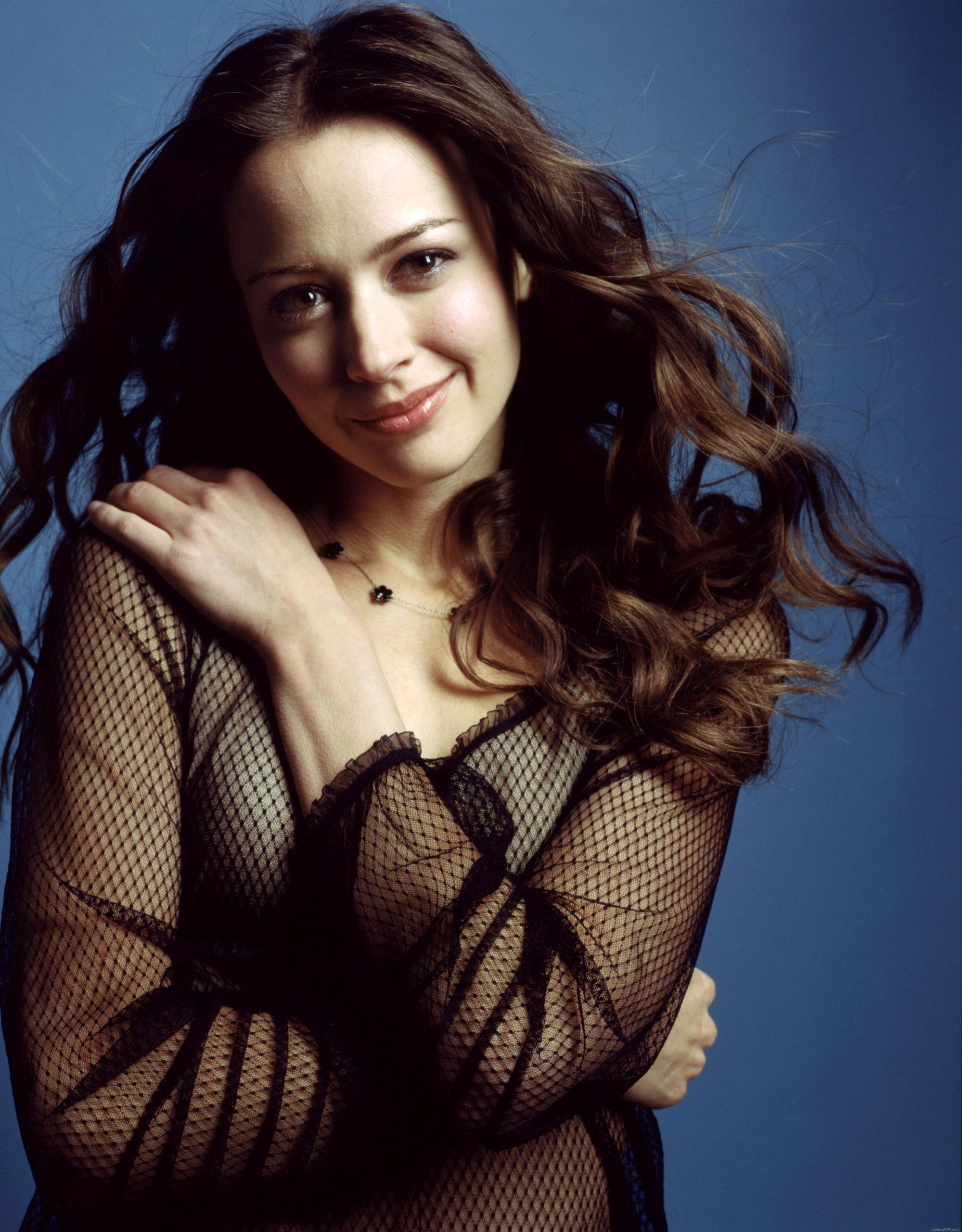 1999x2560 - Amy Acker Wallpapers 33
