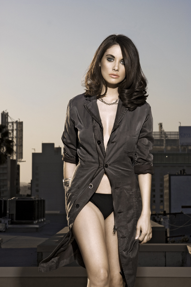 800x1200 - Alison Brie Wallpapers 25