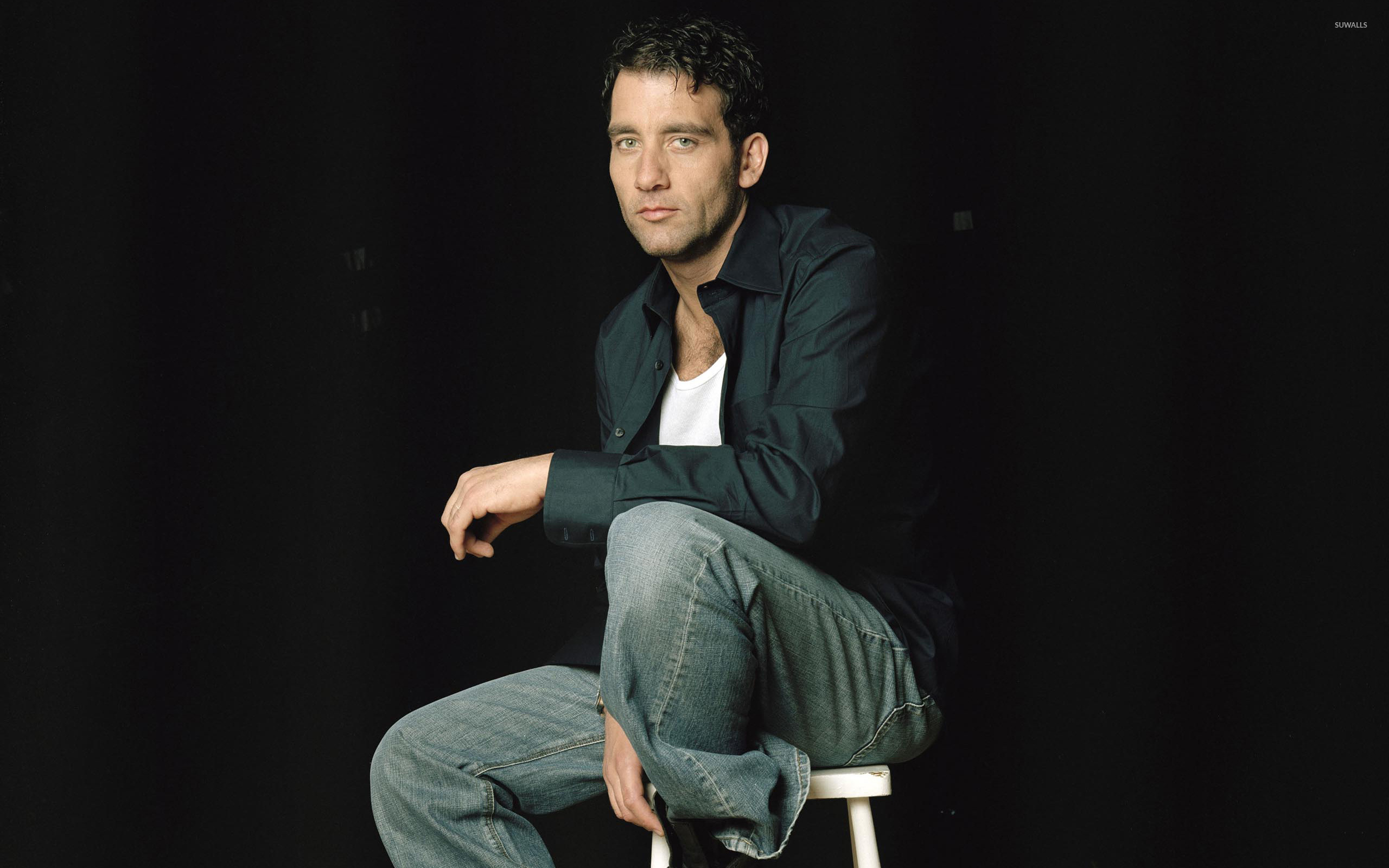 2560x1600 - Clive Owen  Wallpapers 2