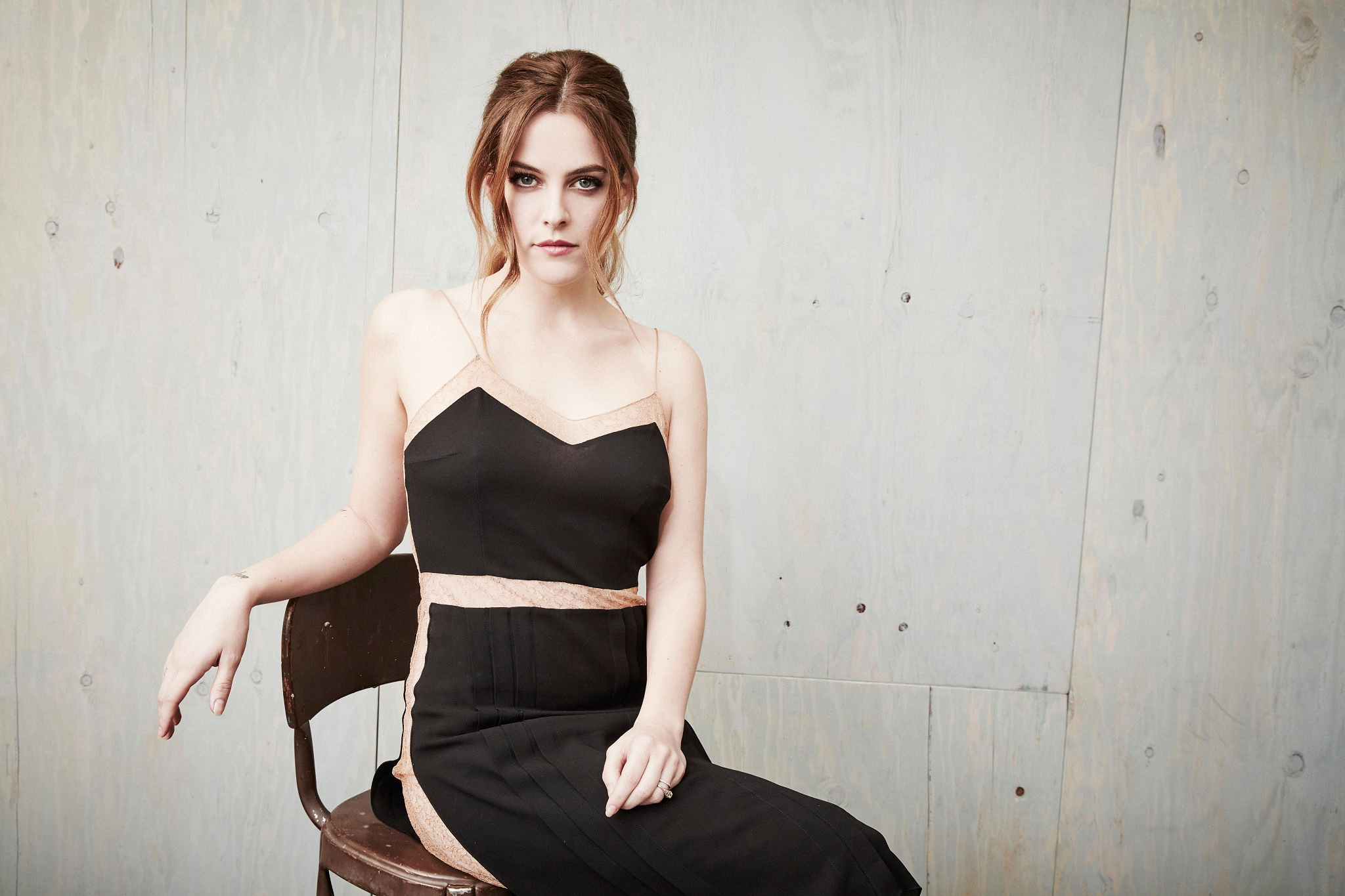 2048x1365 - Riley Keough Wallpapers 7