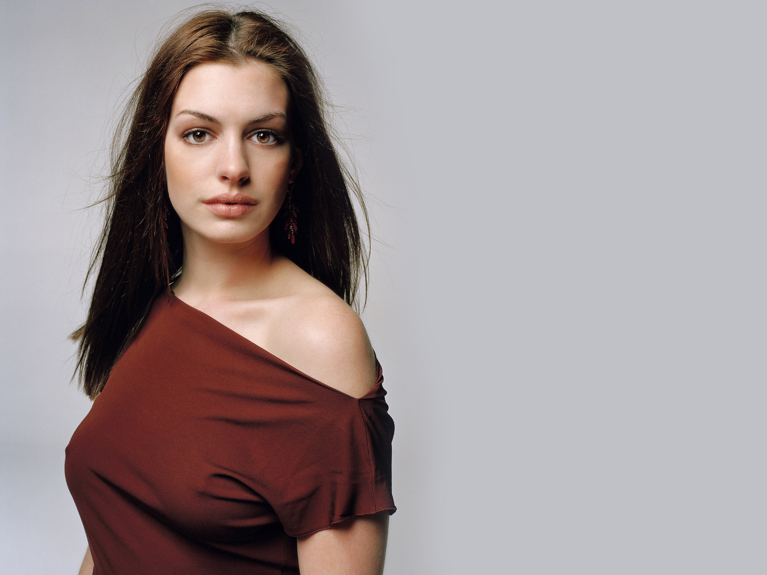 2560x1920 - Anne Hathaway Wallpapers 17