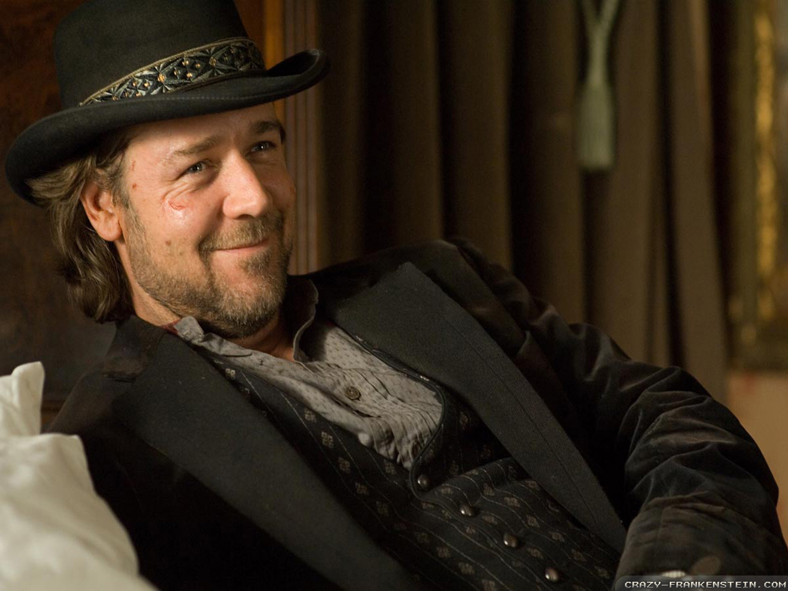 1600x1200 - Russell Crowe Wallpapers 17