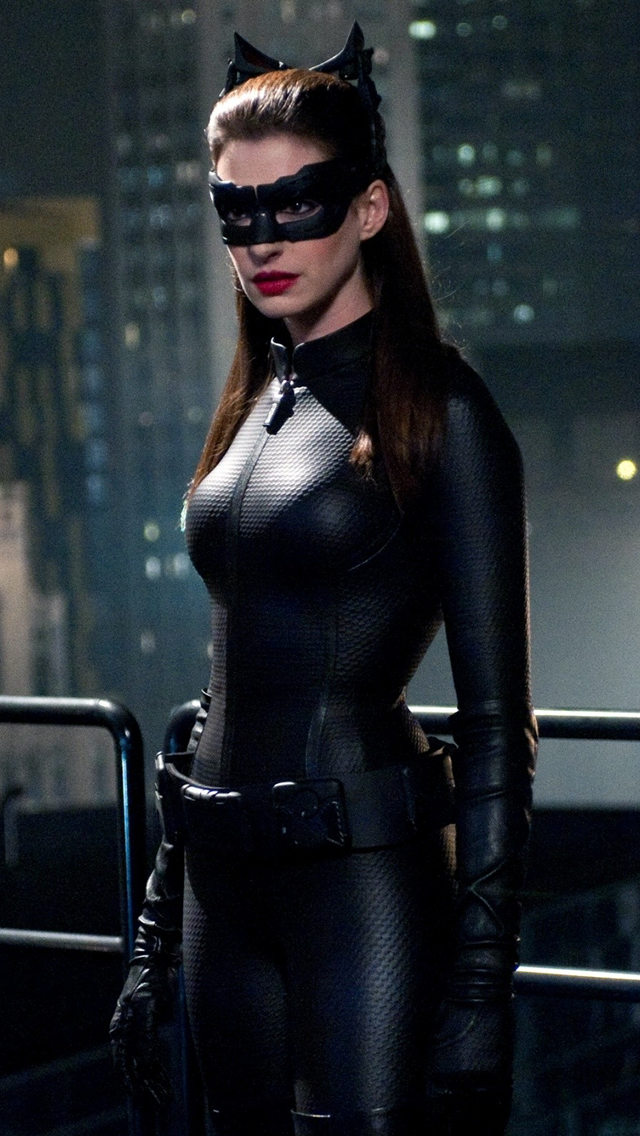 640x1136 - Anne Hathaway Wallpapers 35