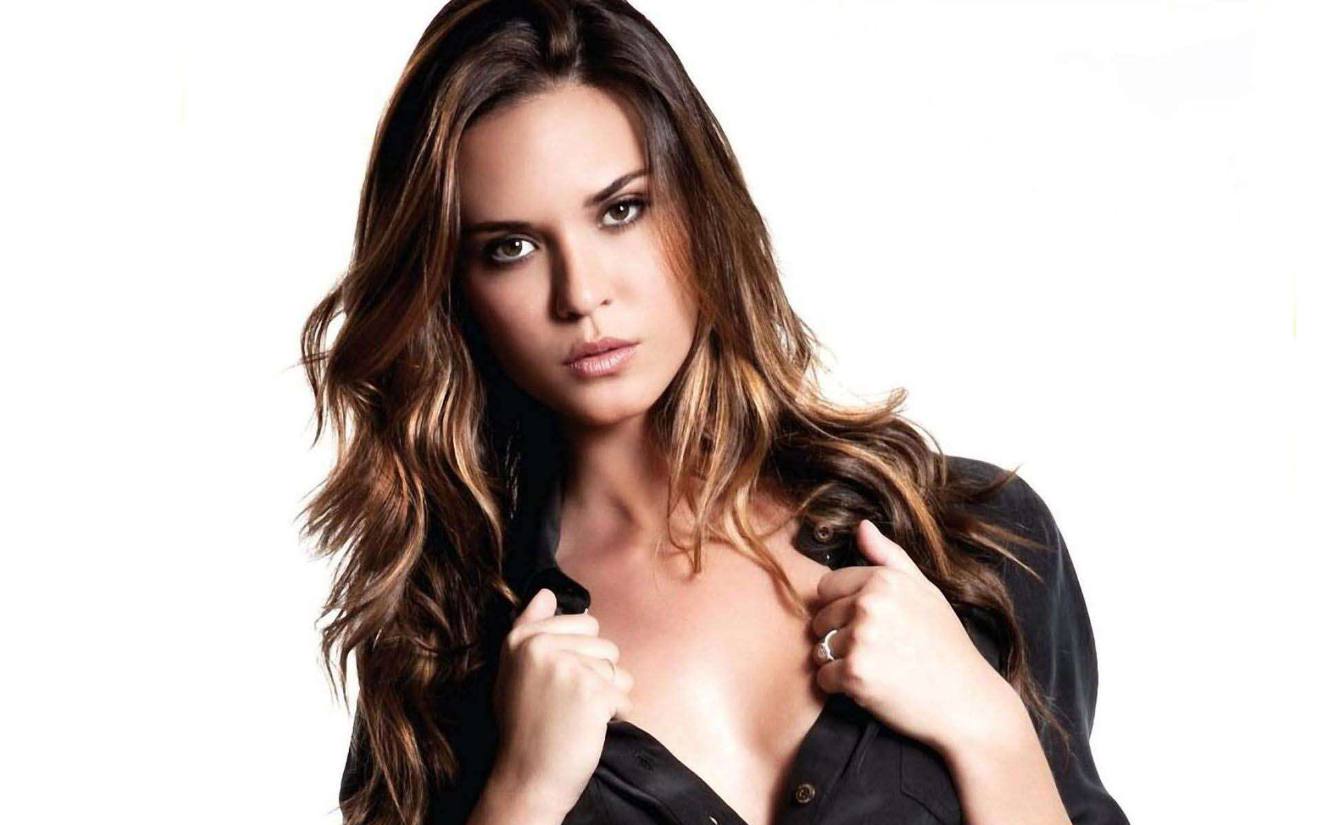 1920x1200 - Odette Annable Wallpapers 34