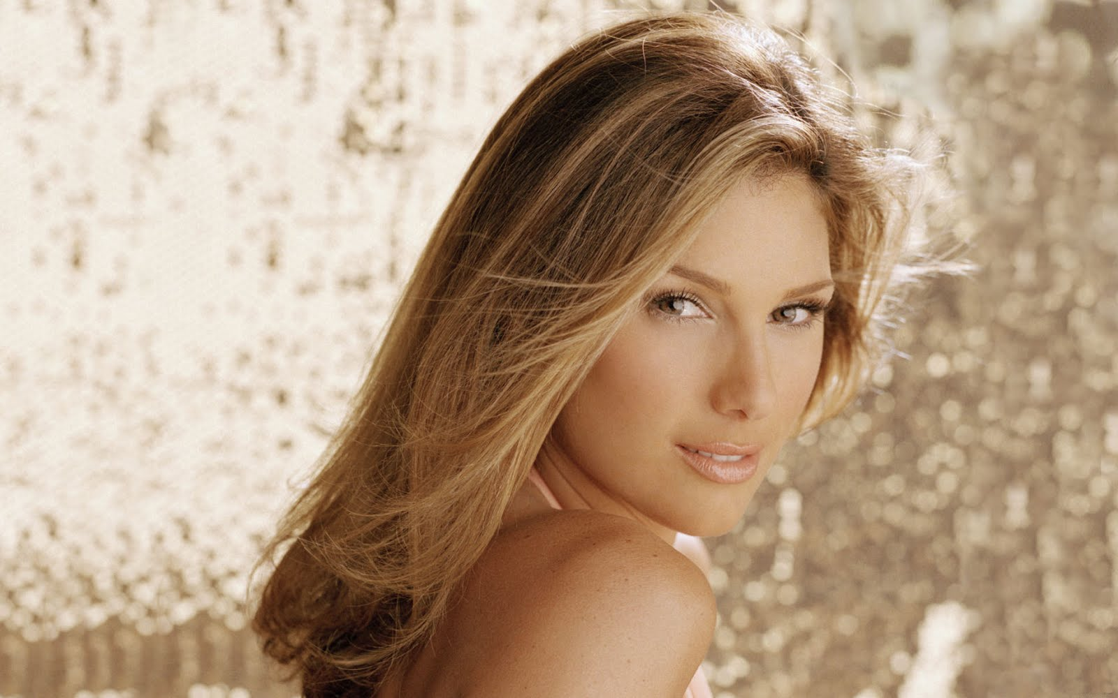 1600x1000 - Daisy Fuentes Wallpapers 6