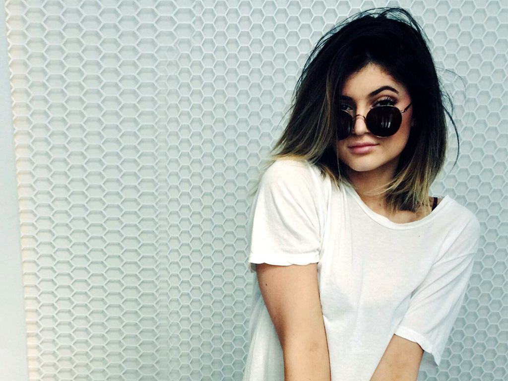 1024x768 - Kylie Jenner Wallpapers 3