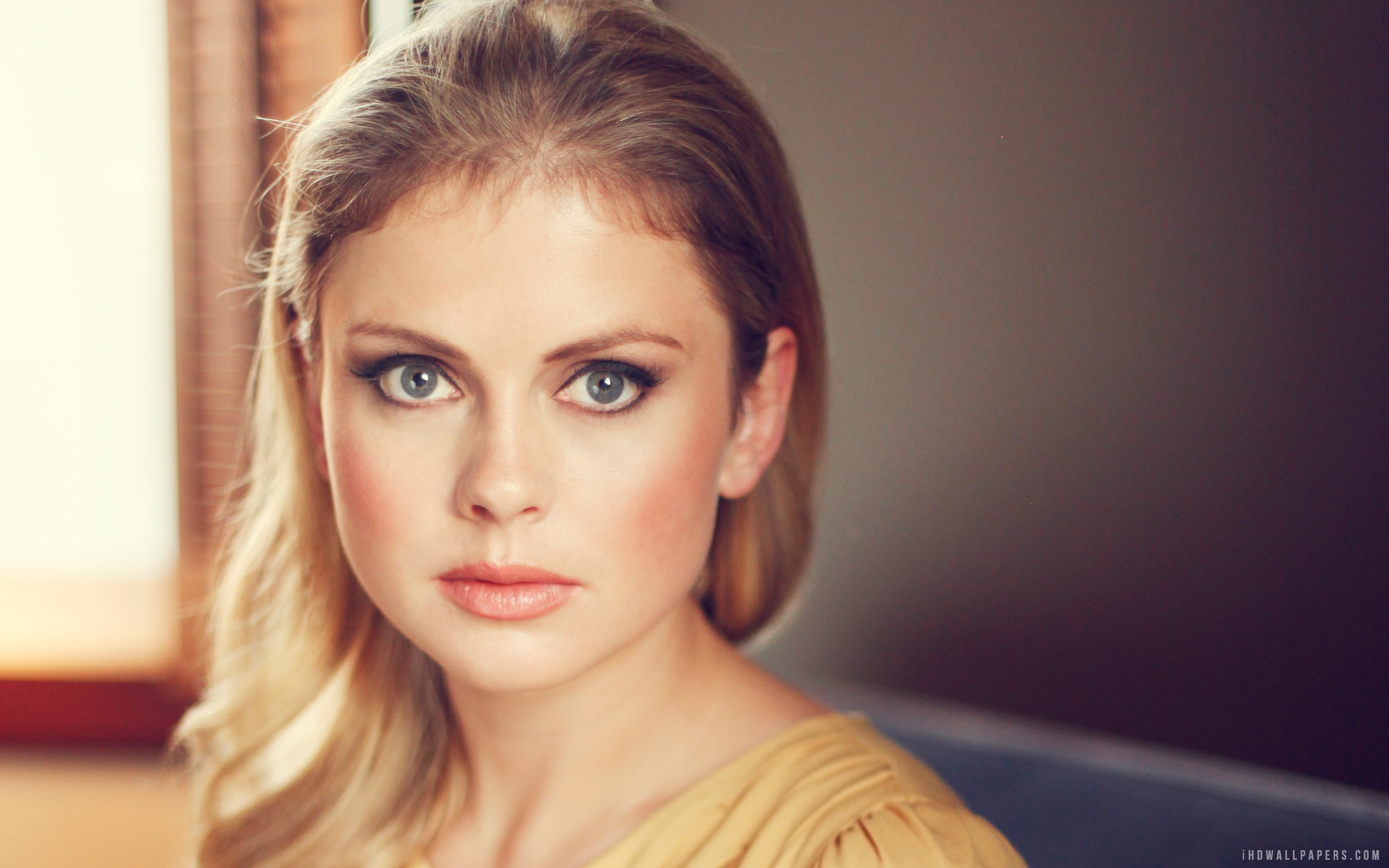 2880x1800 - Rose McIver Wallpapers 26