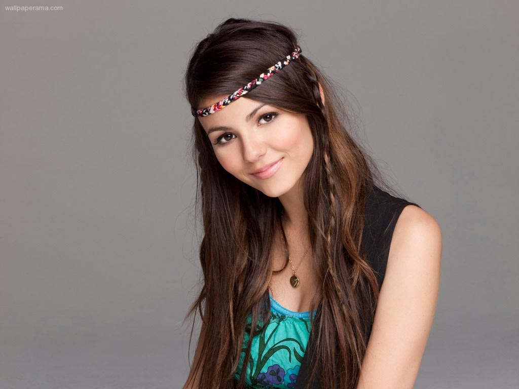 1024x768 - Victoria Justice Wallpapers 27