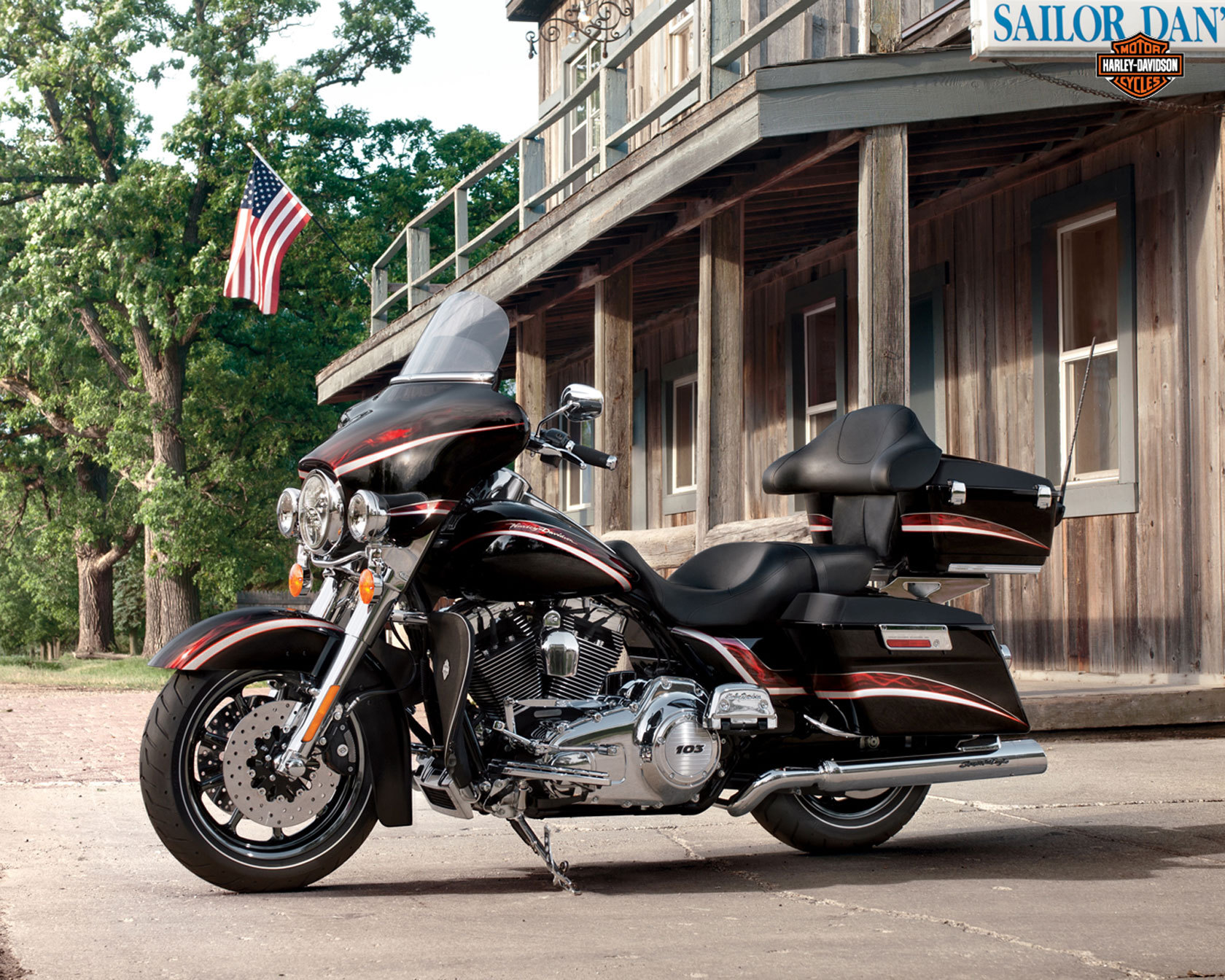 1680x1344 - Harley-Davidson Electra Glide Ultra Classic Wallpapers 38