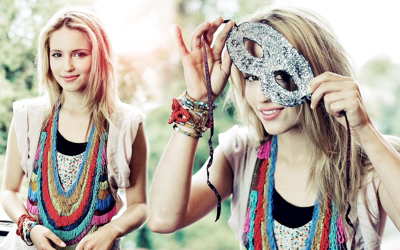 1280x800 - Dianna Agron Wallpapers 31