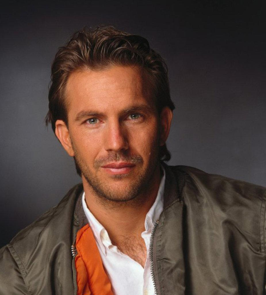 925x1024 - Kevin Costner Wallpapers 17