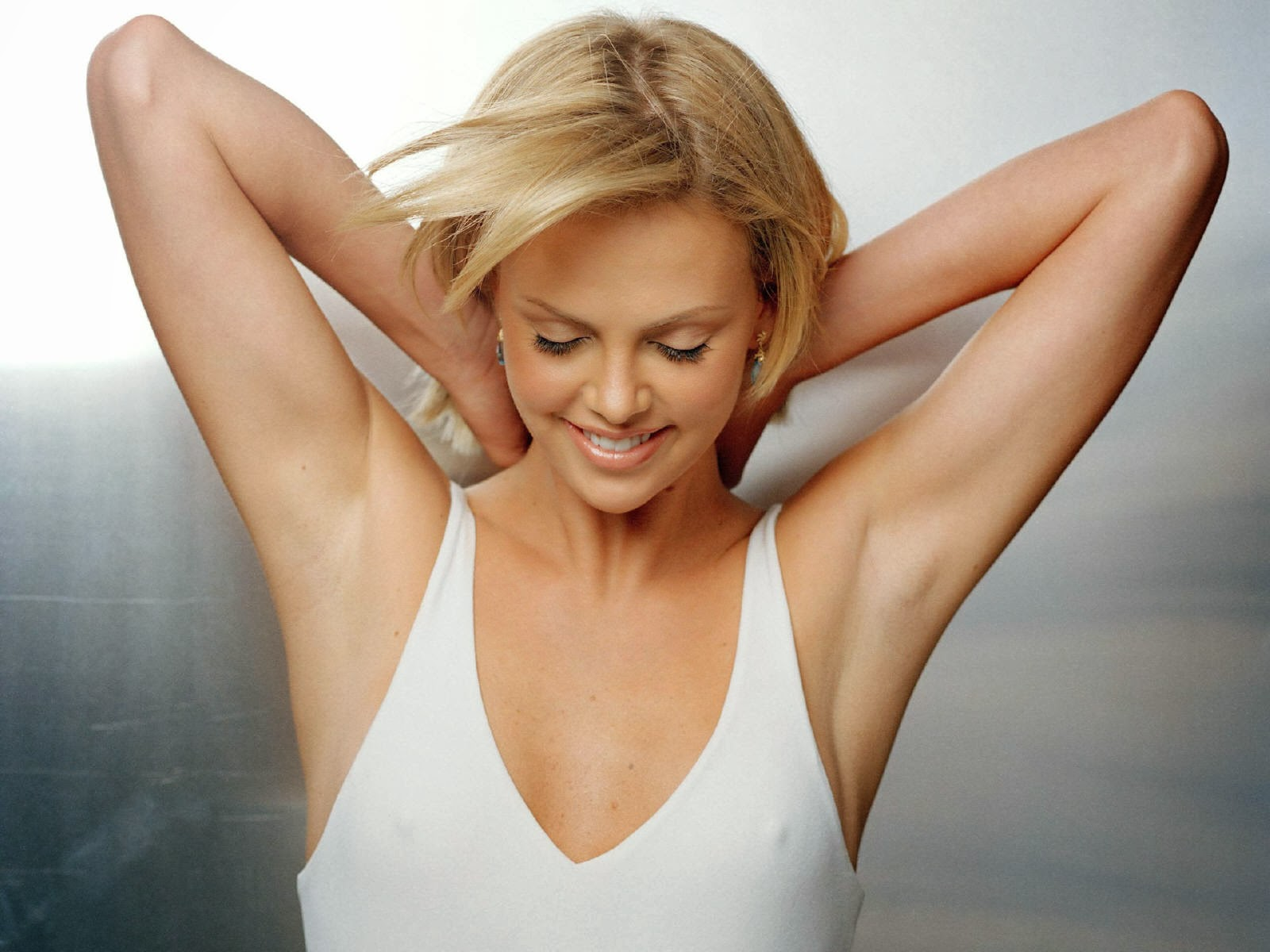 1600x1200 - Charlize Theron Wallpapers 20