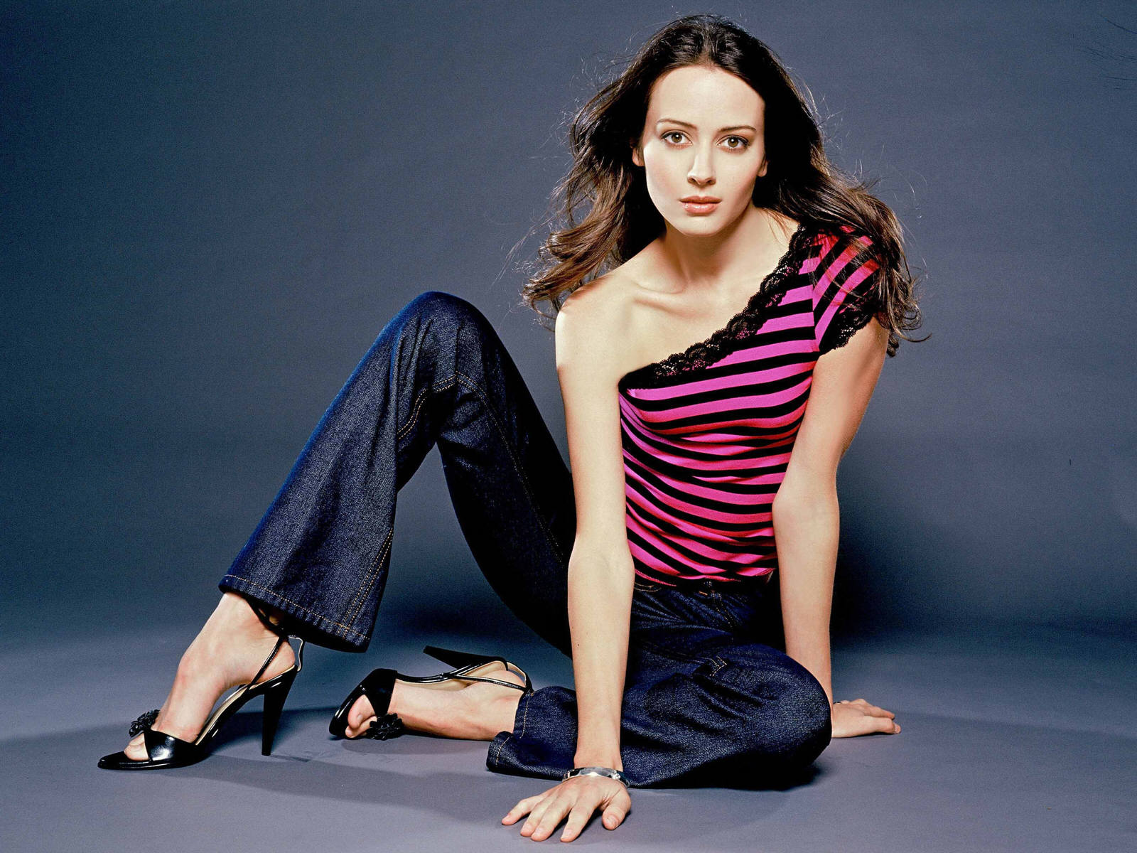 1600x1200 - Amy Acker Wallpapers 30