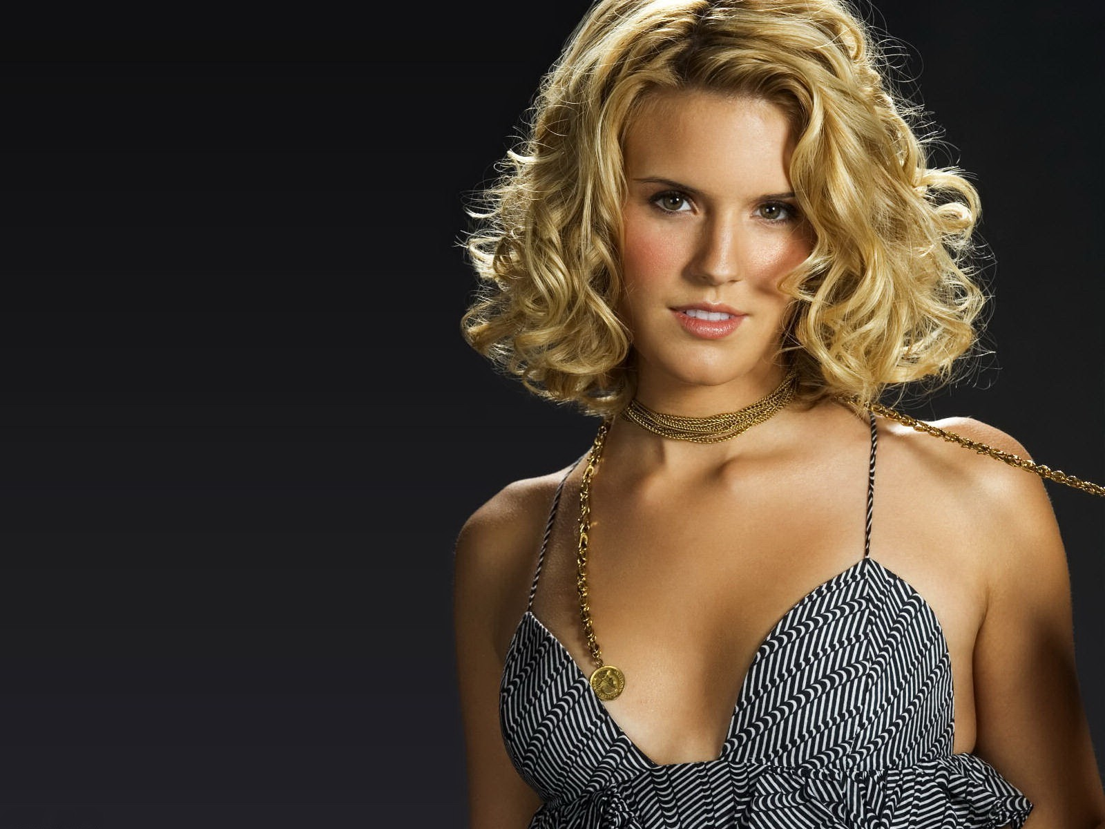 1600x1200 - Maggie Grace Wallpapers 4