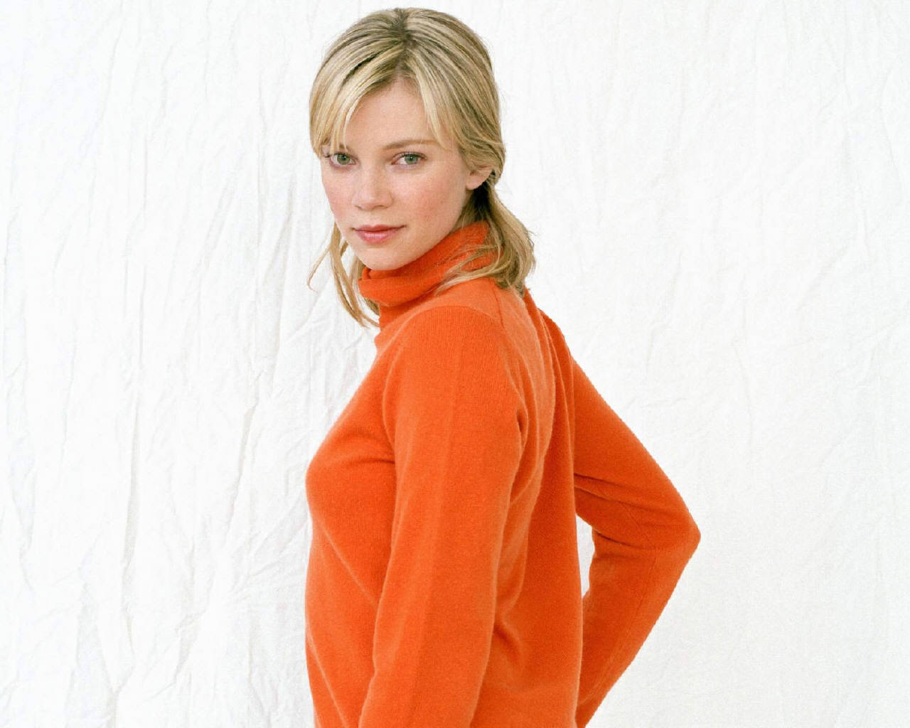 1280x1024 - Amy Smart Wallpapers 26