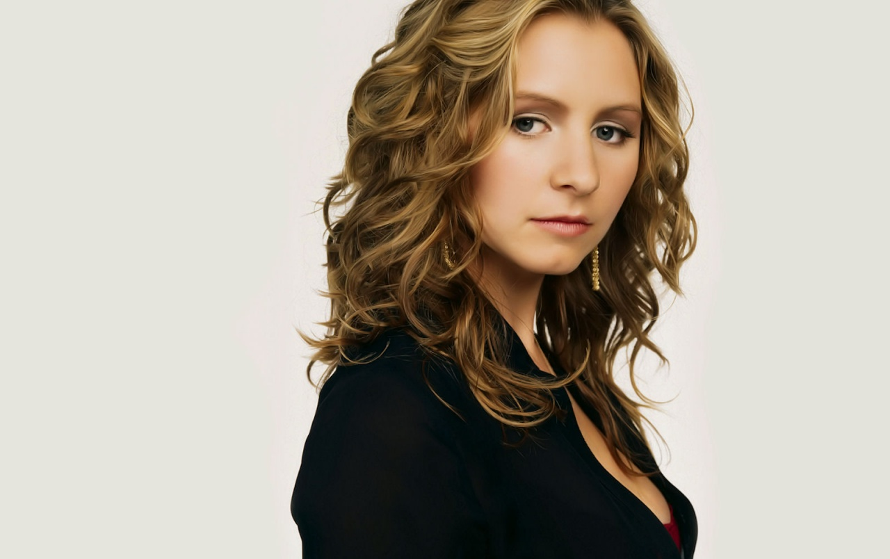 1280x804 - Beverley Mitchell Wallpapers 19