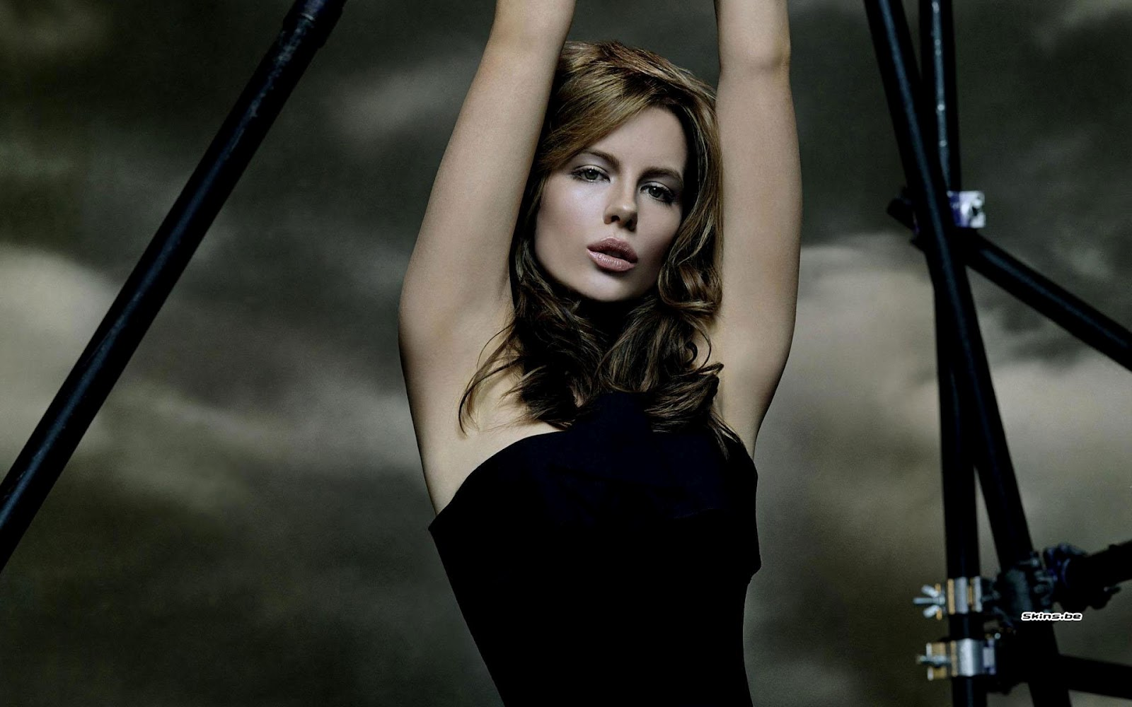 1600x1000 - Kate Beckinsale Wallpapers 15