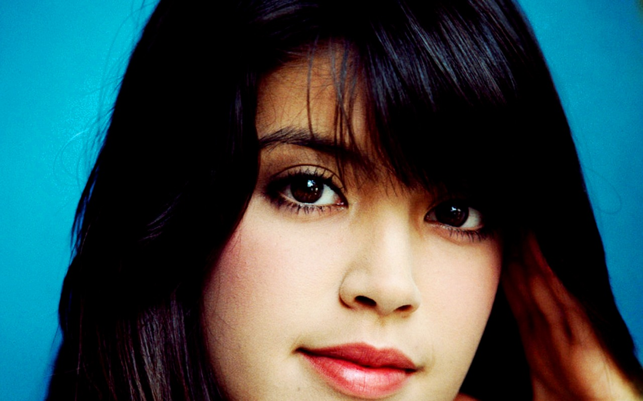 1280x800 - Phoebe Cates Wallpapers 10