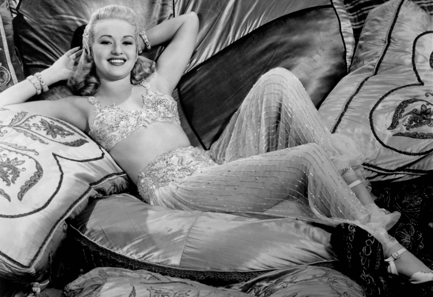 1458x1000 - Betty Grable Wallpapers 11